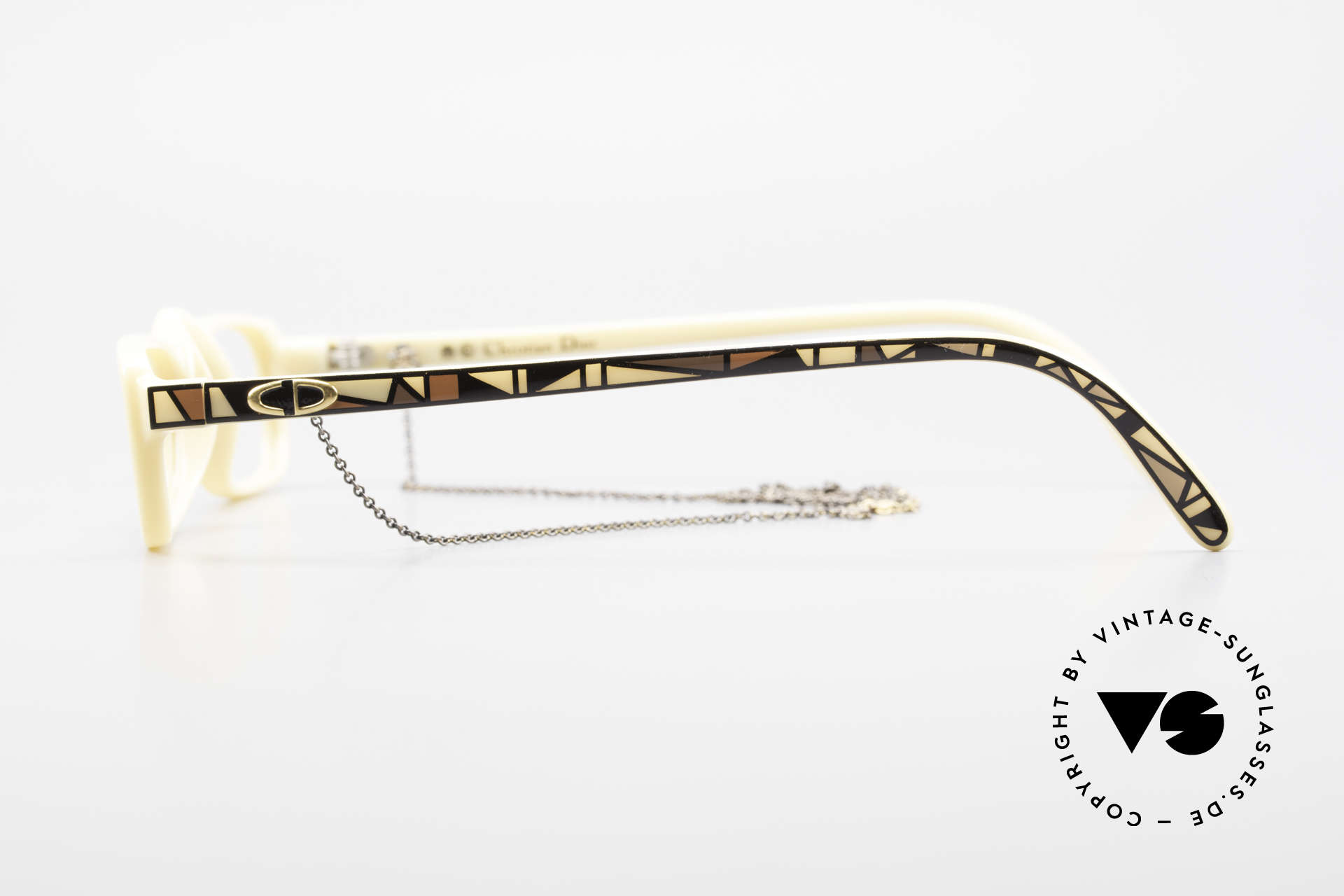 Christian Dior 2356 Reading Glasses With Chain, the incredible OPTYL material does not seem to age, Made for Men and Women