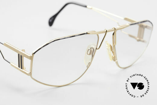 Quattro 0421 Extraordinary Vintage Frame, with very light (gray) tinted lenses, wearable at night, Made for Men