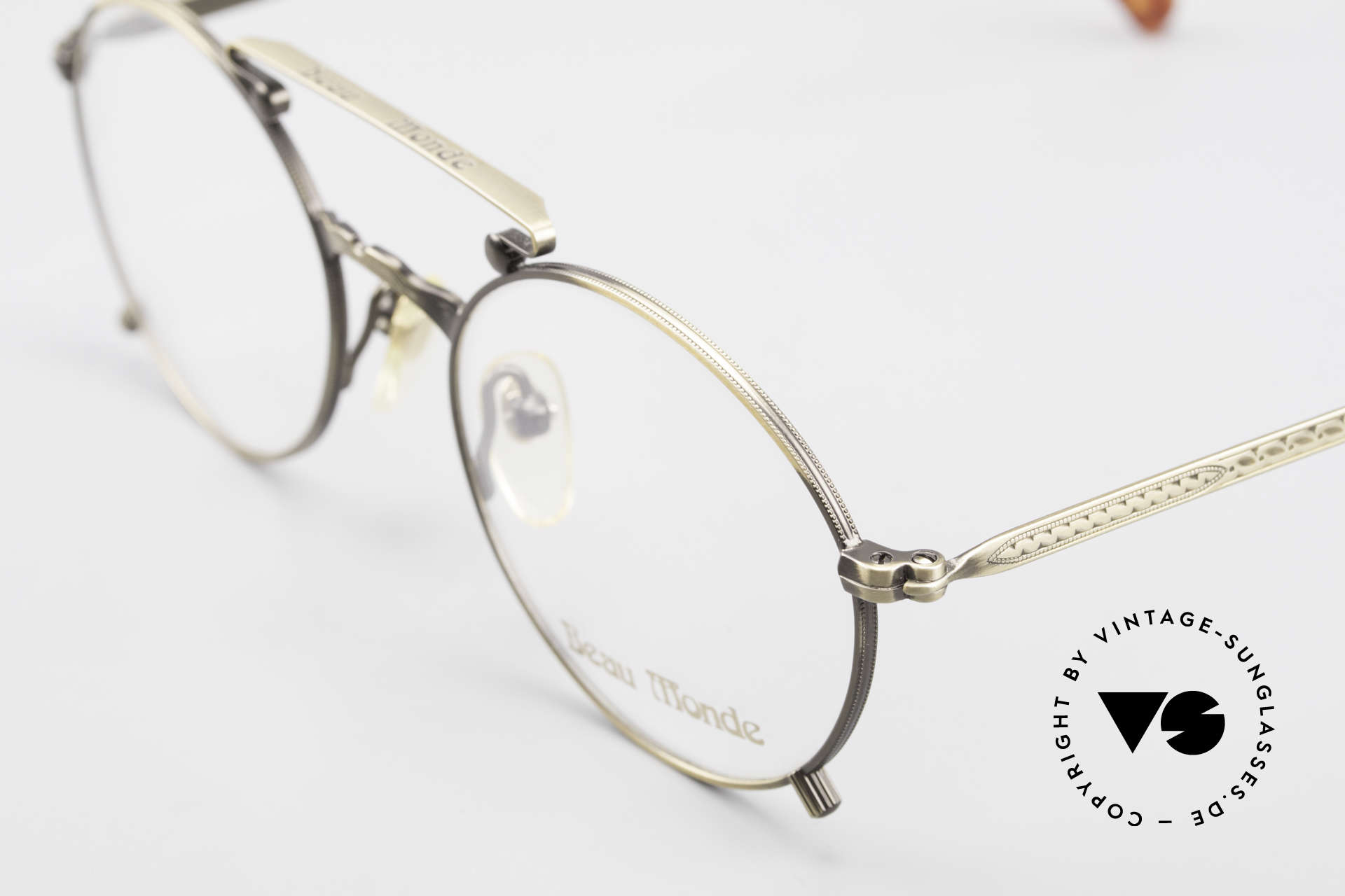 Beau Monde Knightsbridge Old Vintage Frame 90's Insider, made with attention to details (check all the engravings), Made for Men and Women