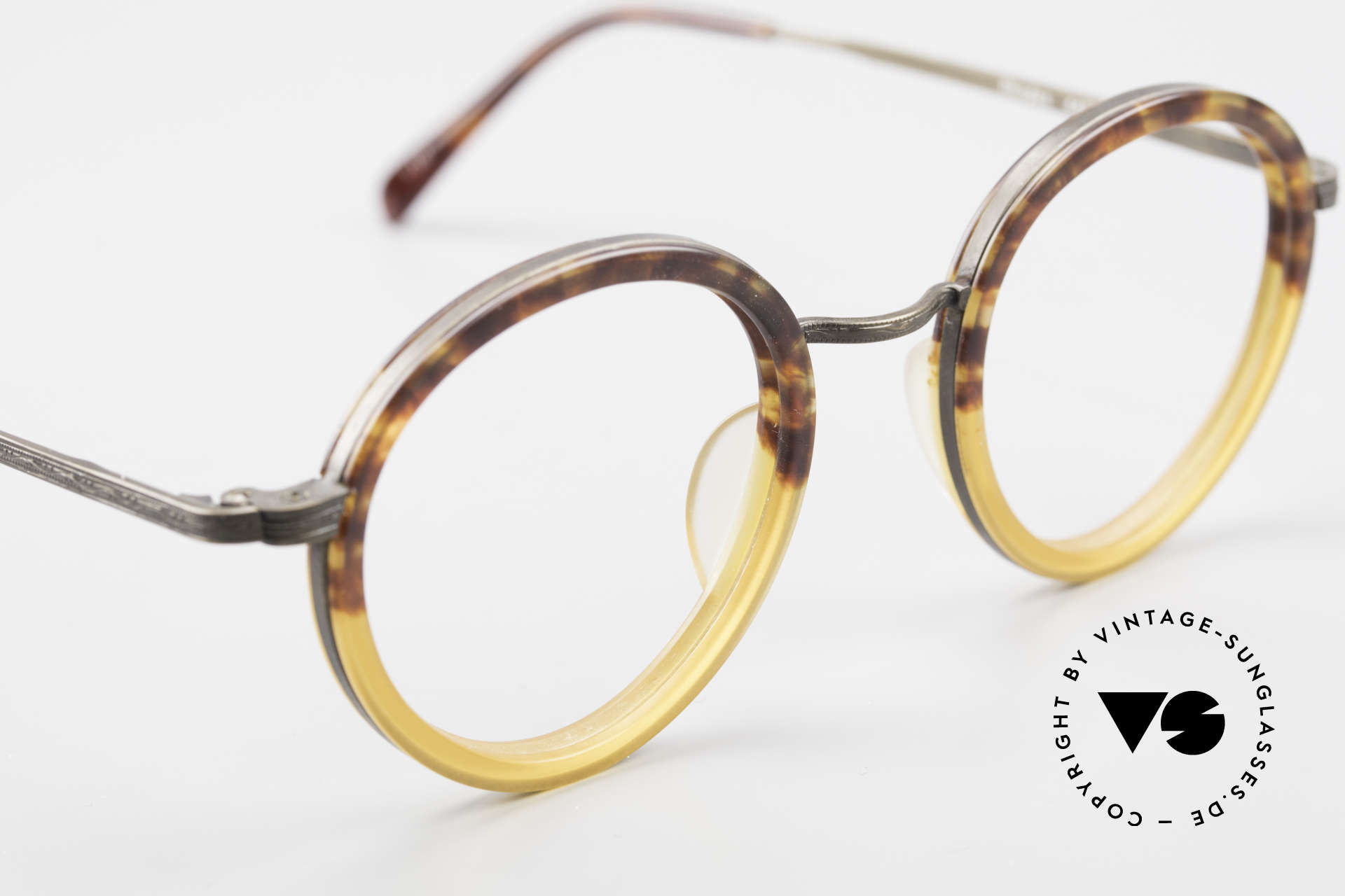 Beau Monde Rhodes Round Old Vintage Frame 90's, made with attention to details (check all the engravings), Made for Men and Women
