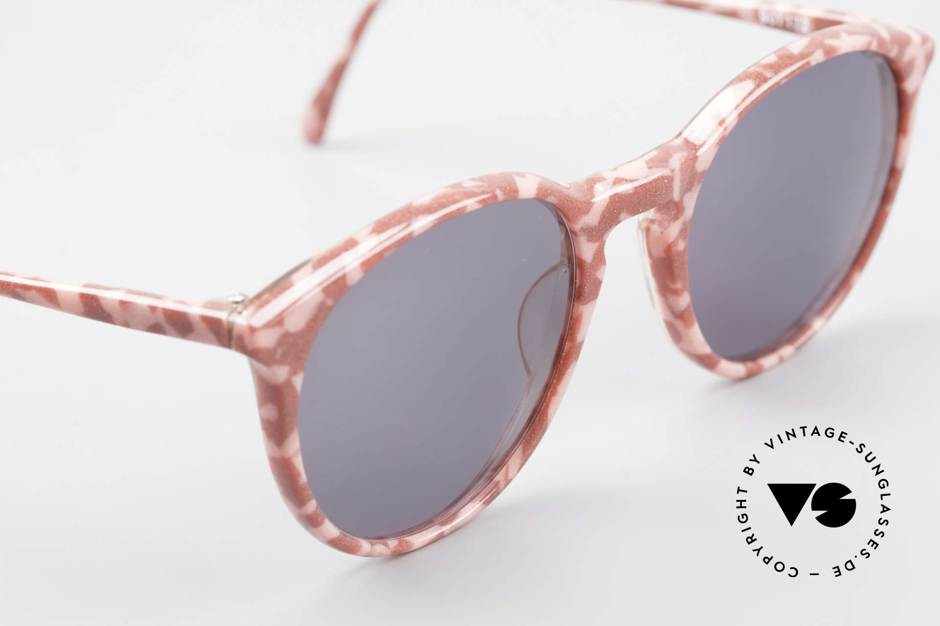 Alain Mikli 901 / 172 Panto Shades Red Pink Marbled, never worn (like all our vintage Alain Mikli specs), Made for Women
