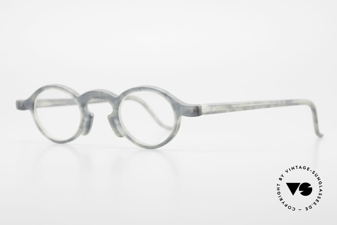 Theo Belgium Phone Very Interesting Frame Pattern, made for the avant-garde, individualists & trend-setters, Made for Men and Women