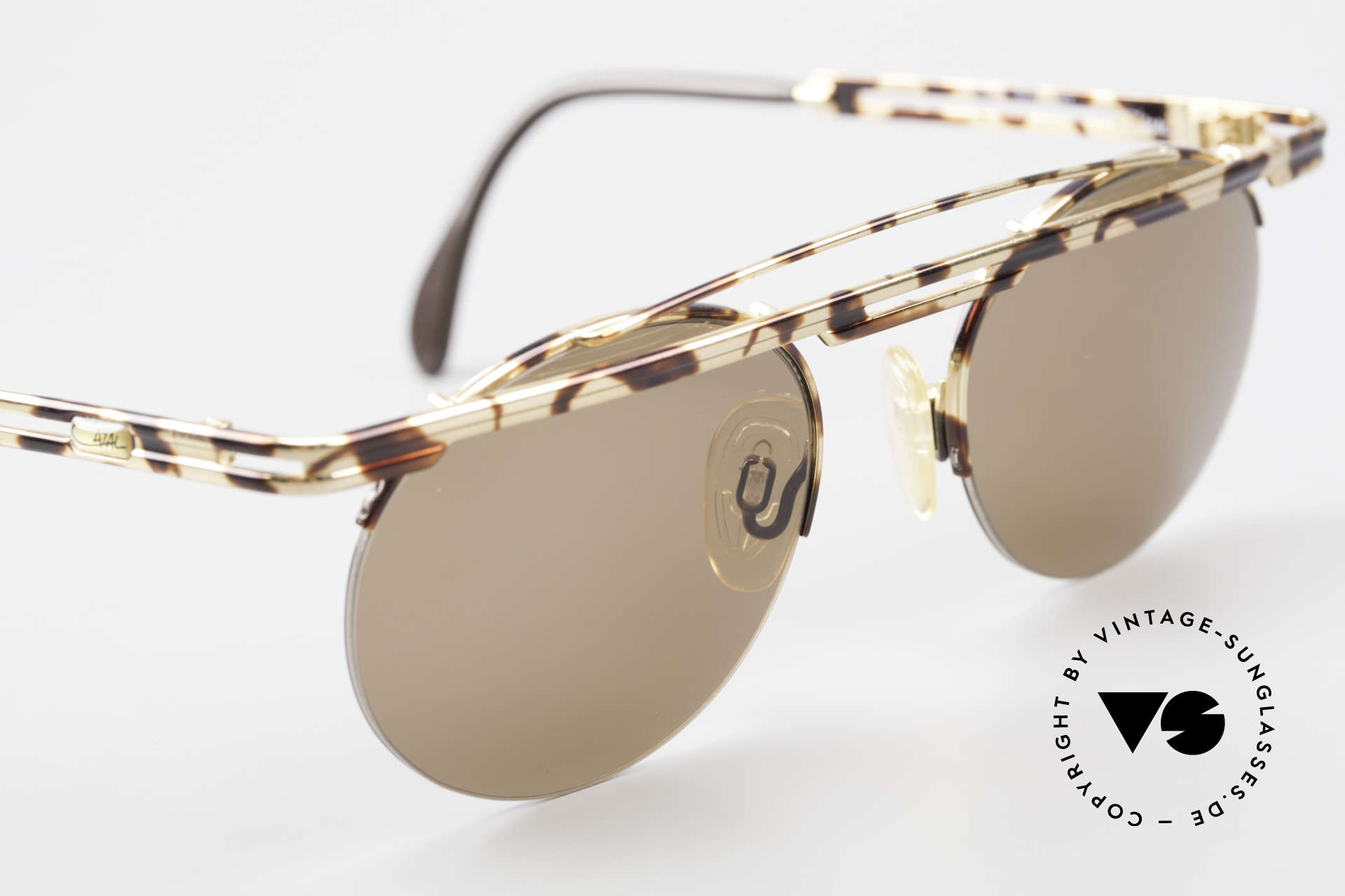 Cazal 748 Rare Vintage No Retro Shades, tangible high-end craftsmanship (frame made in Germany), Made for Men and Women