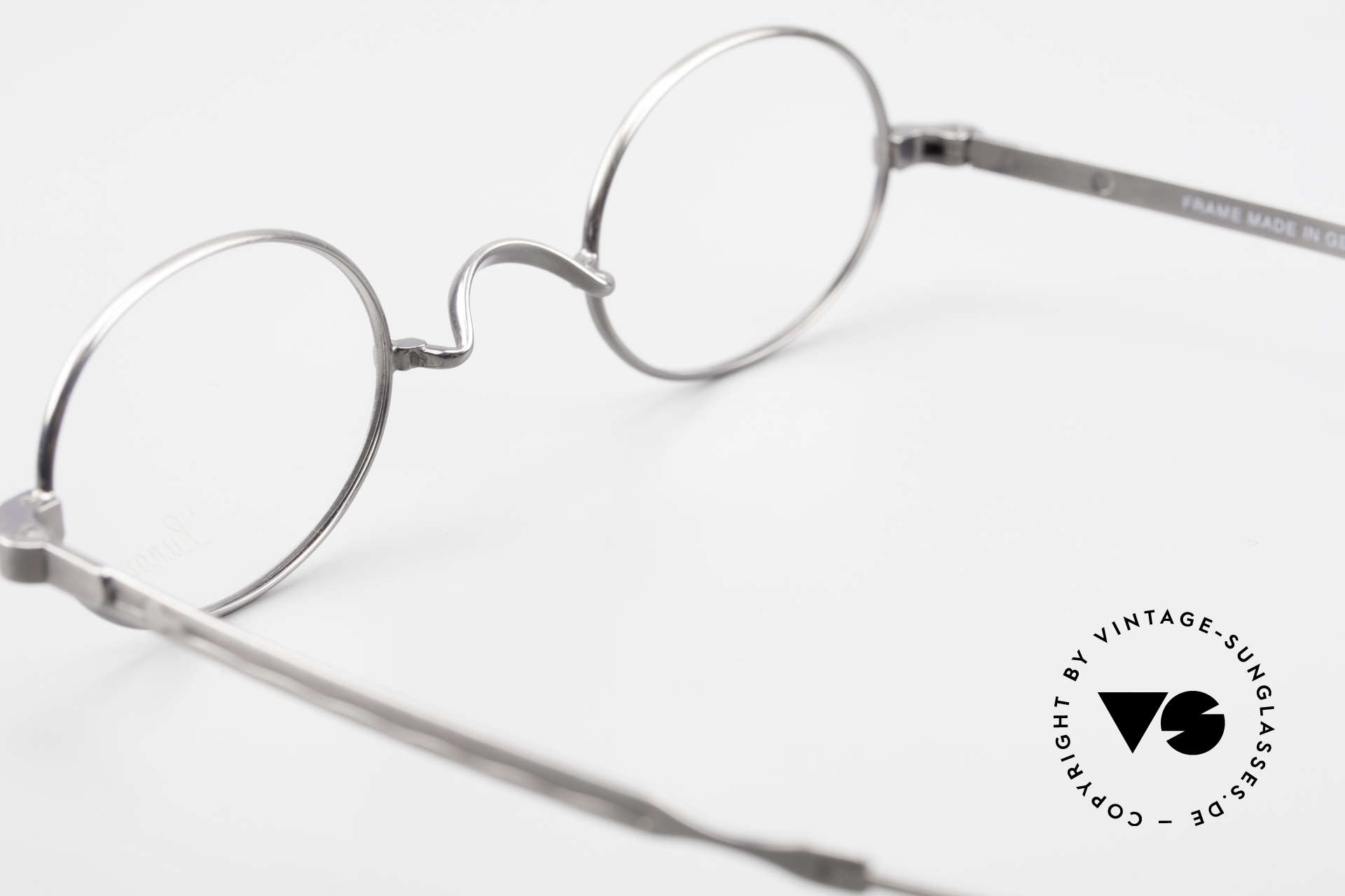 Lunor Oval T-22 Titanium Vintage Eyeglasses, NO RETRO EYEGLASSES; but a luxury vintage ORIGINAL, Made for Men and Women