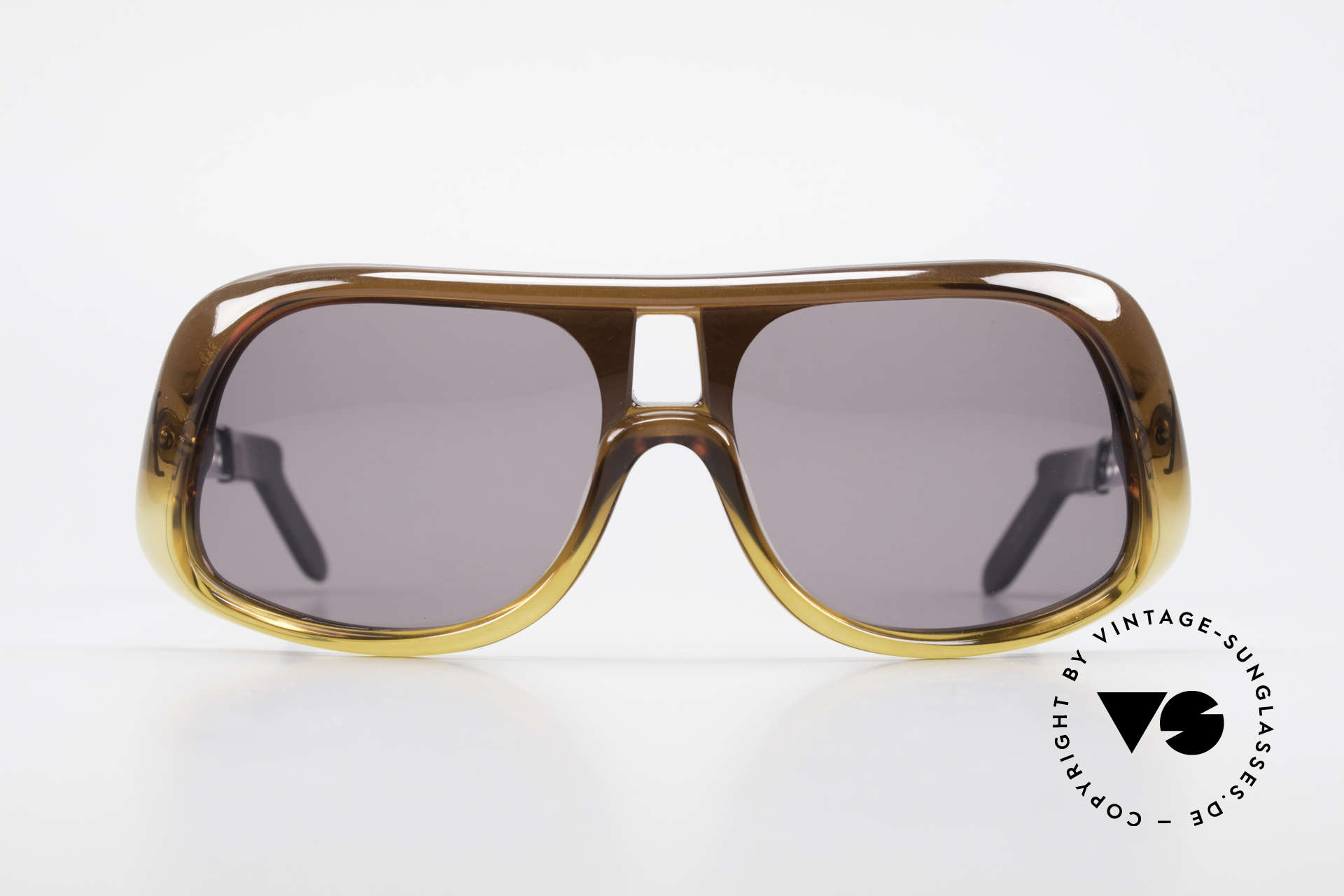 Carrera 549 Leo DiCaprio Movie Sunglasses, Leonardo DiCaprio movie sunglasses: in Tarantinos, Made for Men