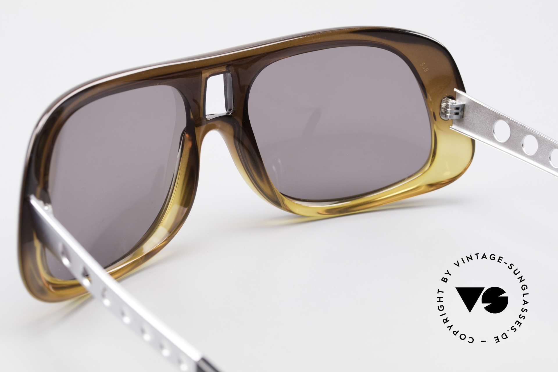 Carrera 549 Leo DiCaprio Movie Sunglasses, legendary Elvis Presley style (distinctive temples), Made for Men