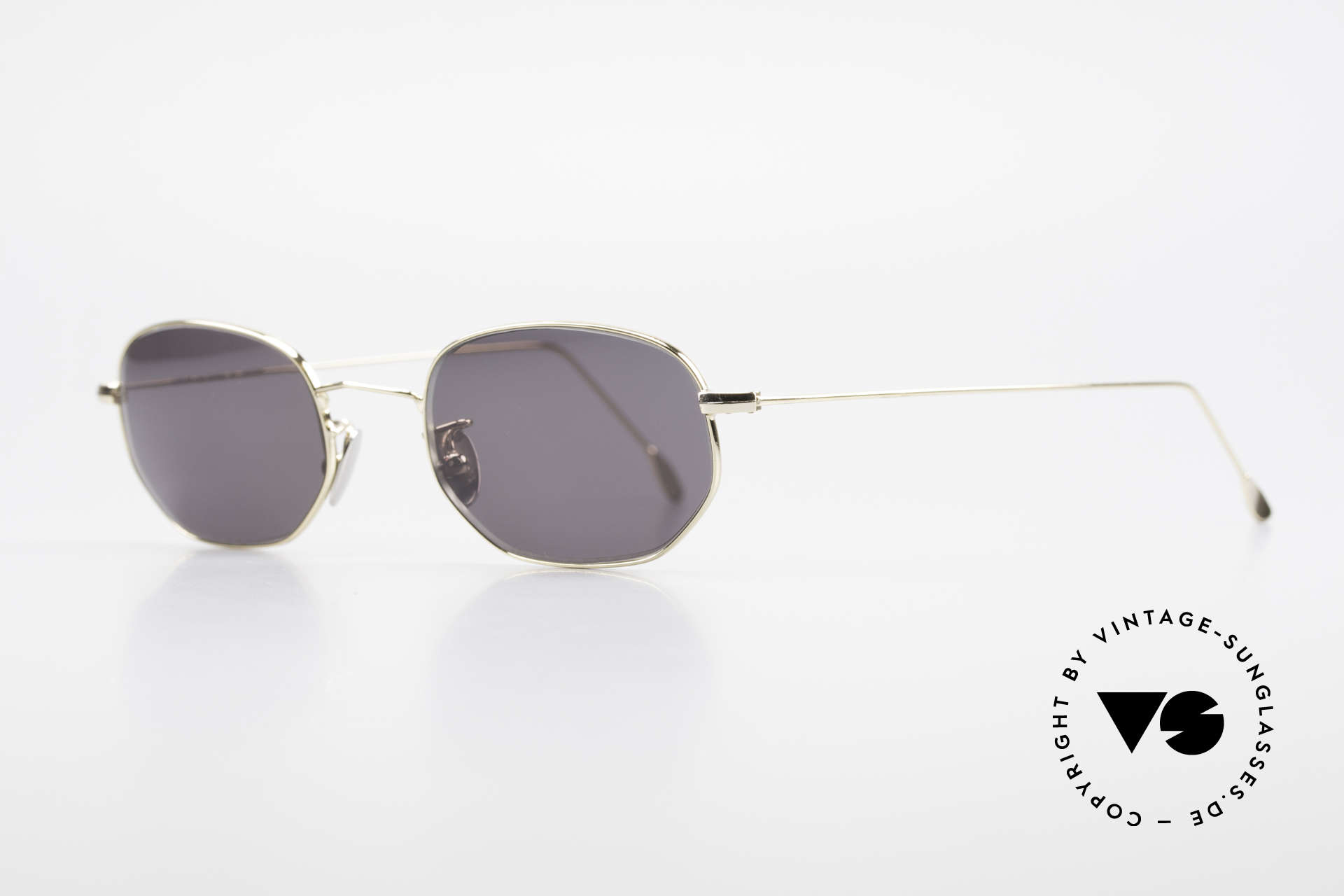 Cutler And Gross 0370 Classic Designer Sunglasses, stylish & distinctive in absence of an ostentatious logo, Made for Men and Women