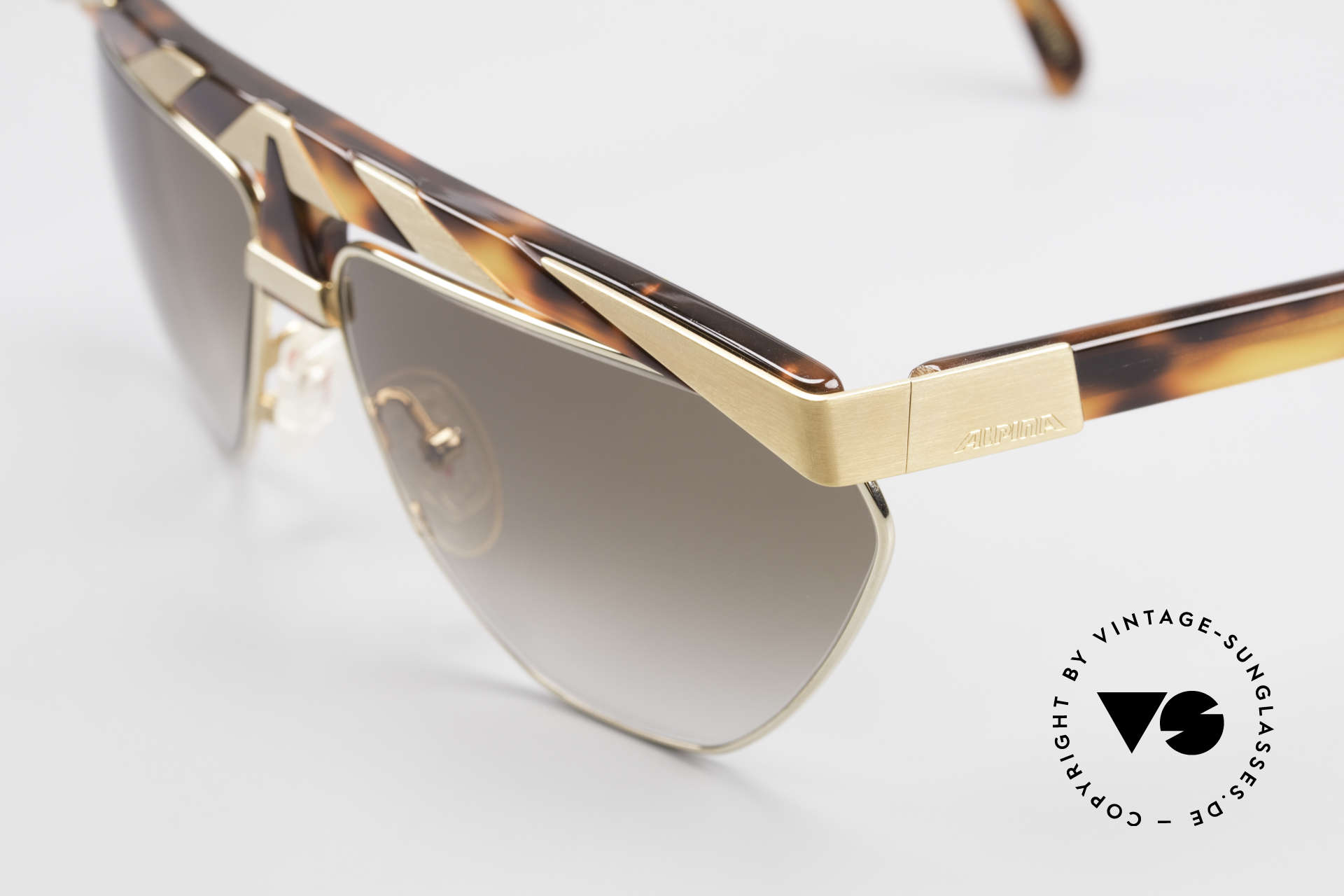 Alpina G84 80's Sunglasses Gold Plated, top notch quality (24ct gold plated metal appliqué), Made for Men and Women