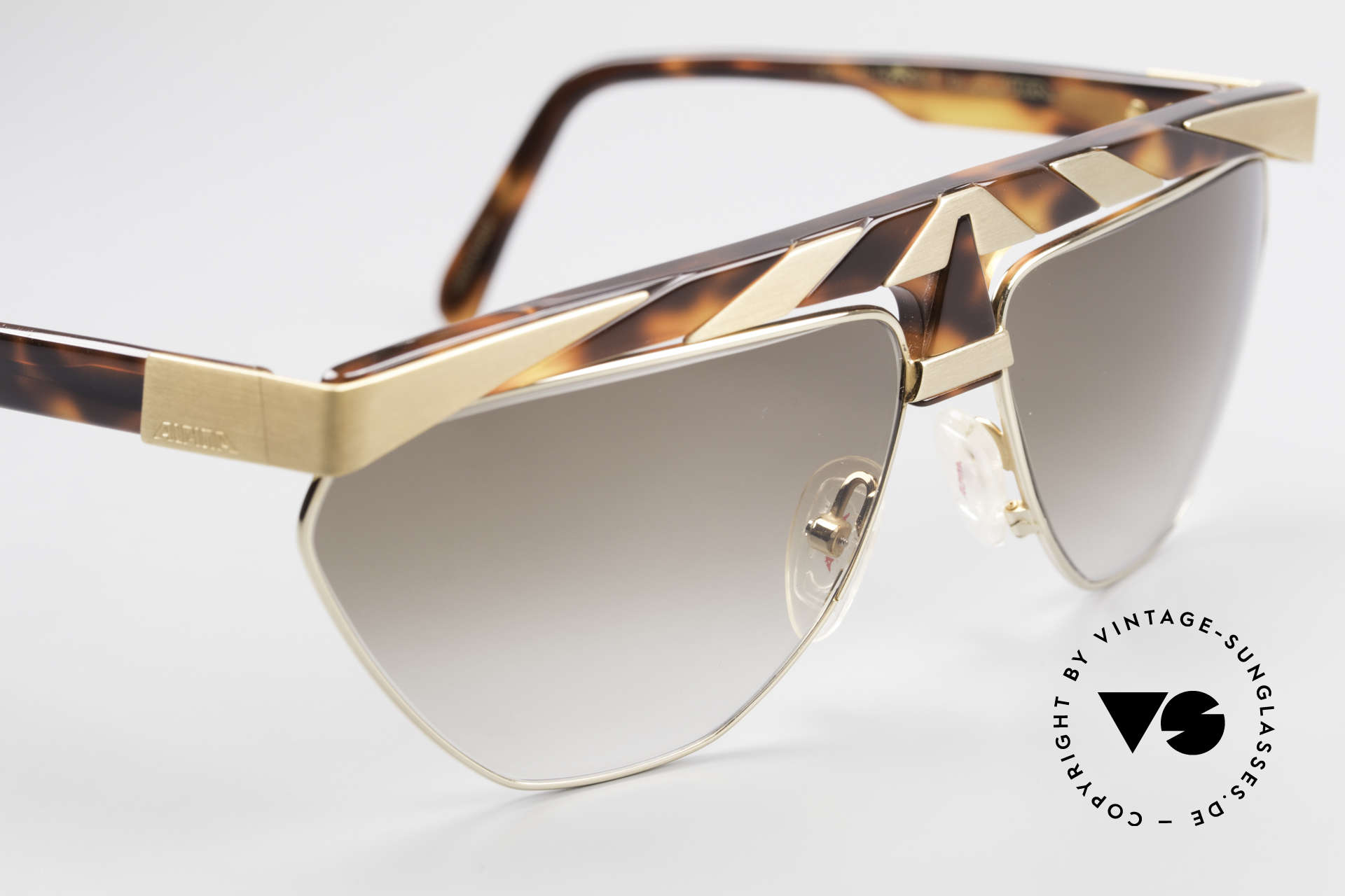 Alpina G84 80's Sunglasses Gold Plated, unworn (like all our rare vintage ALPINA sunglasses), Made for Men and Women