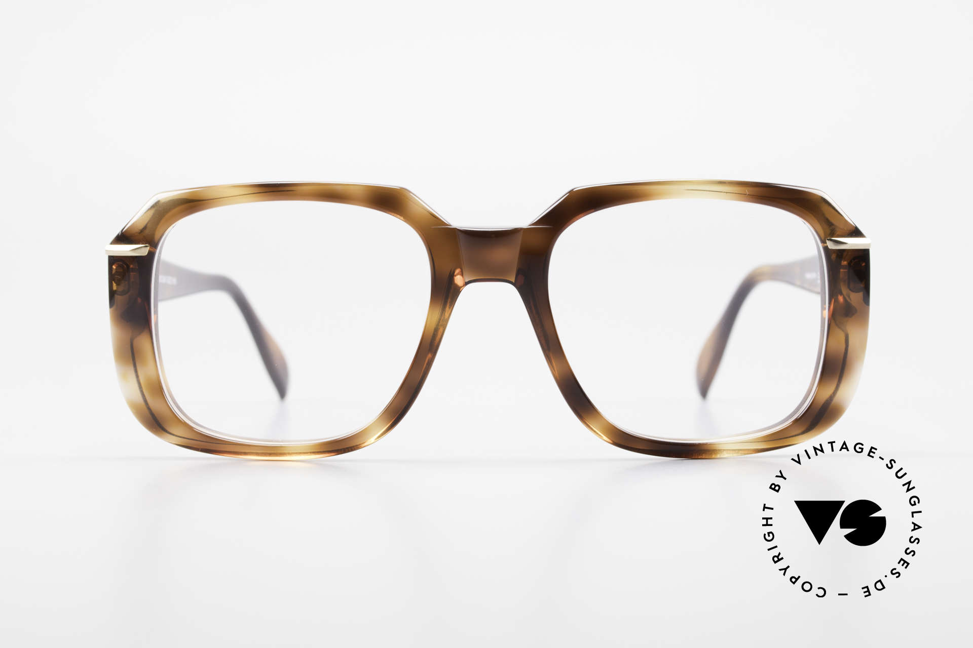 Silhouette M2062 80's Old School Eyeglasses, beamy frame outline and dimensions; monolithic, Made for Men