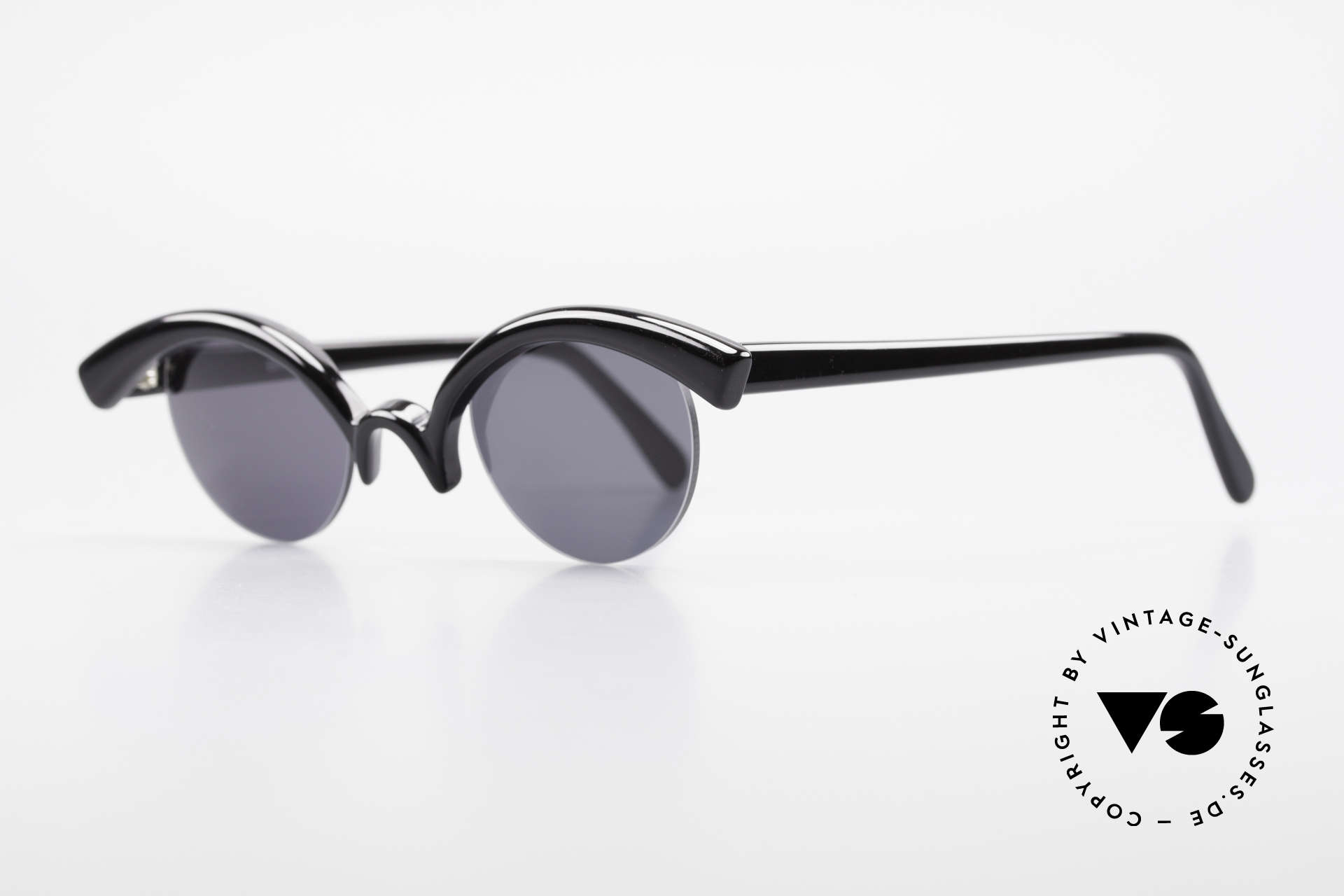 Design Maske Berlin - Ethno Artful Vintage Sunglasses 90s, functional and EYE-CATCHING, at the same time, Made for Women