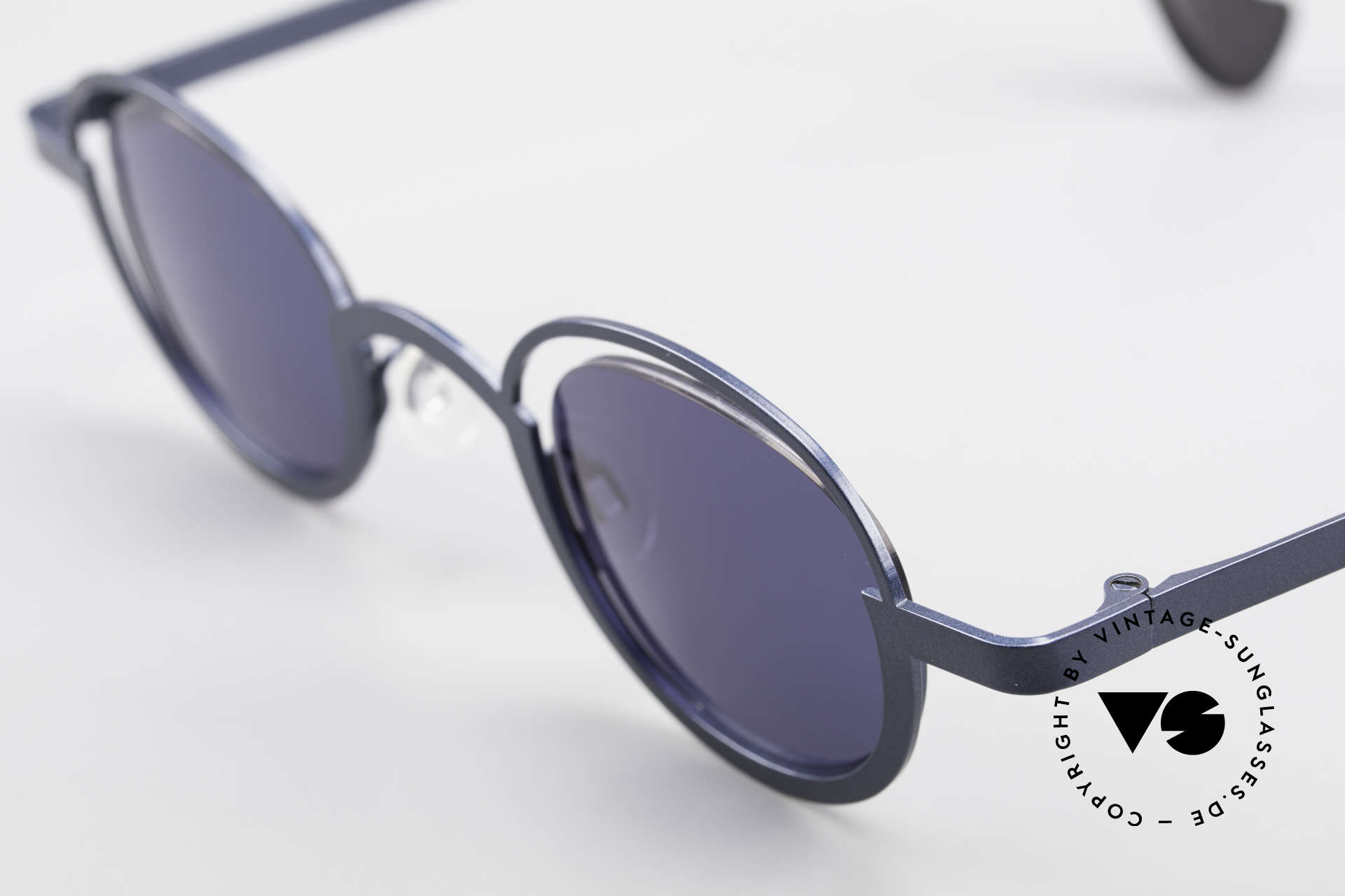 Theo Belgium Dozy Slim Crazy 90's Unisex Sunglasses, an extraordinary designer piece by THEO BELGIUM, Made for Men and Women
