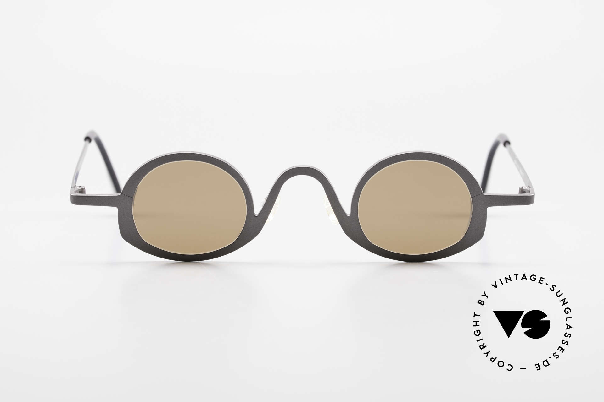 Theo Belgium Circle Avant-Garde Sunglasses 90's, founded in 1989 as 'opposite pole' to the 'mainstream', Made for Men and Women