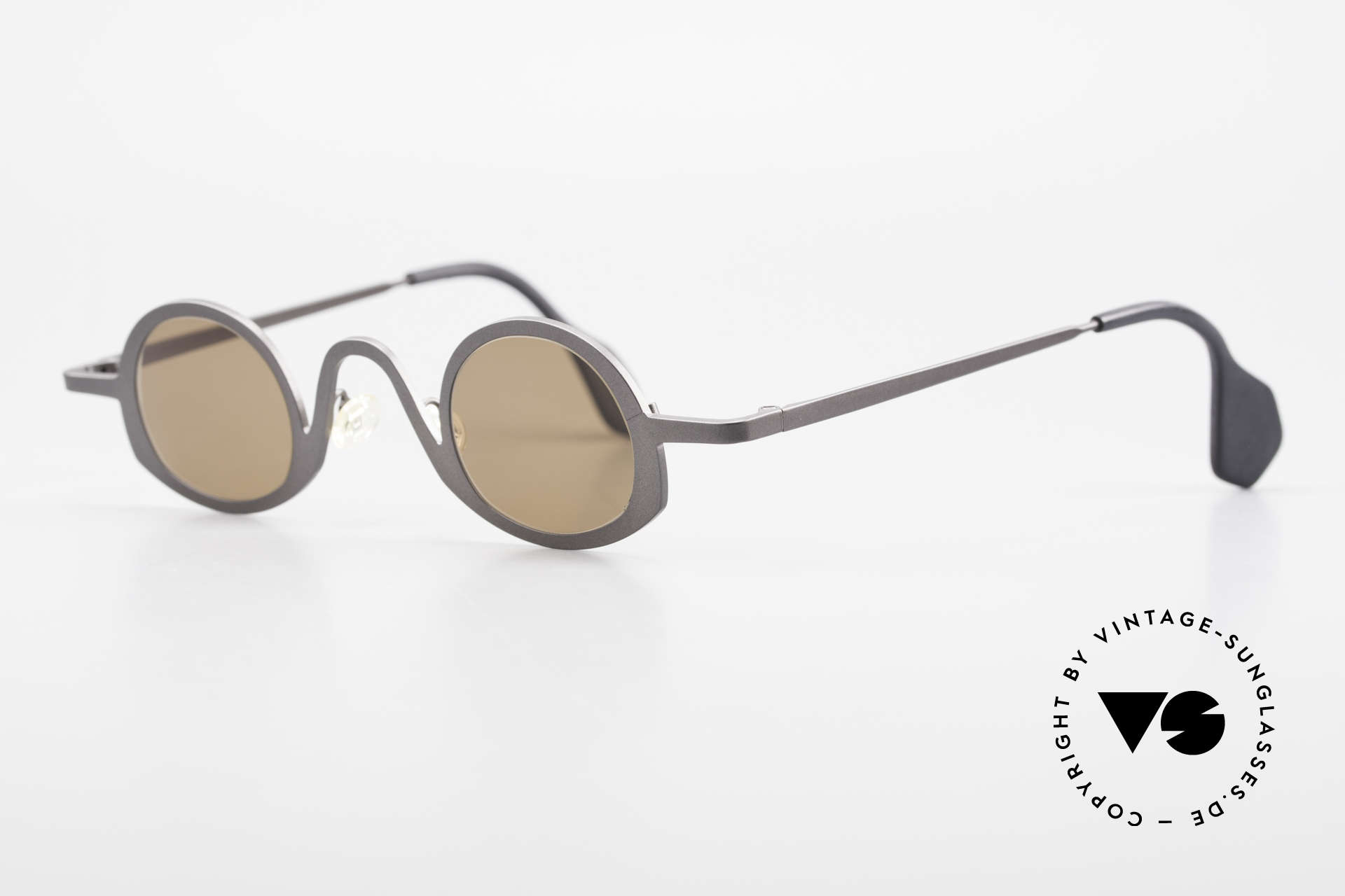 Theo Belgium Circle Avant-Garde Sunglasses 90's, made for the avant-garde, individualists & trend-setters, Made for Men and Women