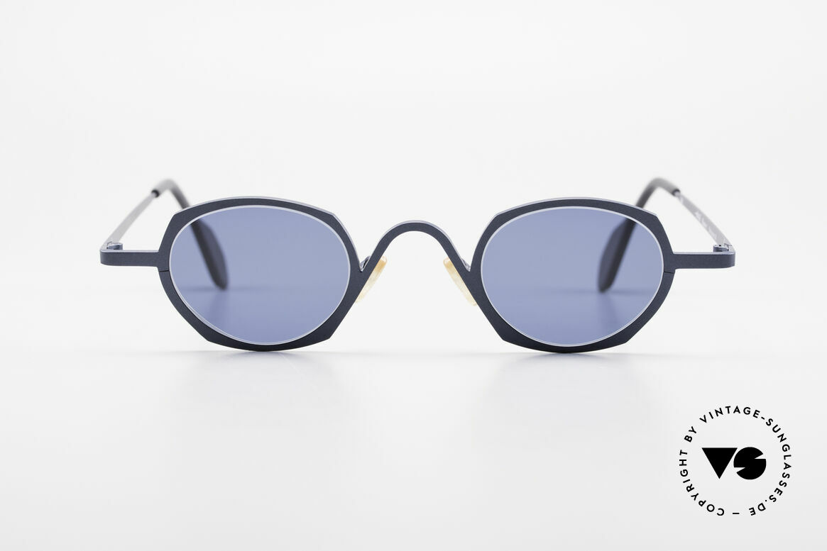 Theo Belgium Flower Round 90s Designer Sunglasses, founded in 1989 as 'opposite pole' to the 'mainstream', Made for Men and Women