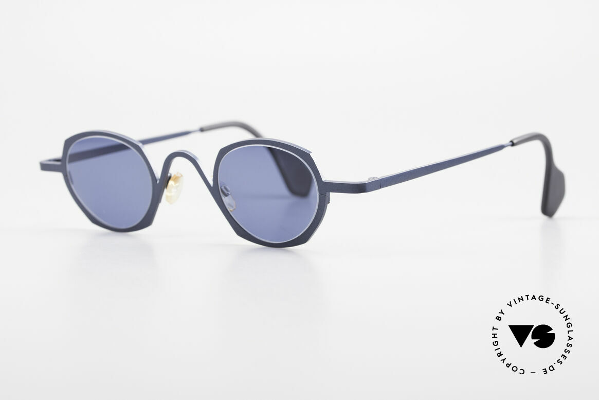 Theo Belgium Flower Round 90s Designer Sunglasses, made for the avant-garde, individualists & trend-setters, Made for Men and Women