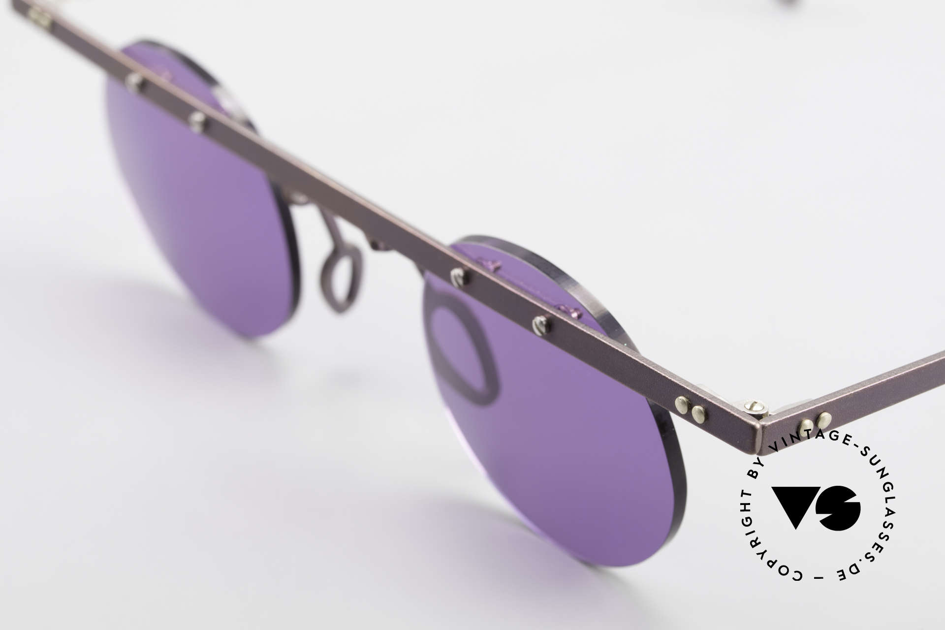 Theo Belgium Tita VII 5 Vintage Titanium Sunglasses, the round sun lenses are fixed with screws at the frame, Made for Men and Women