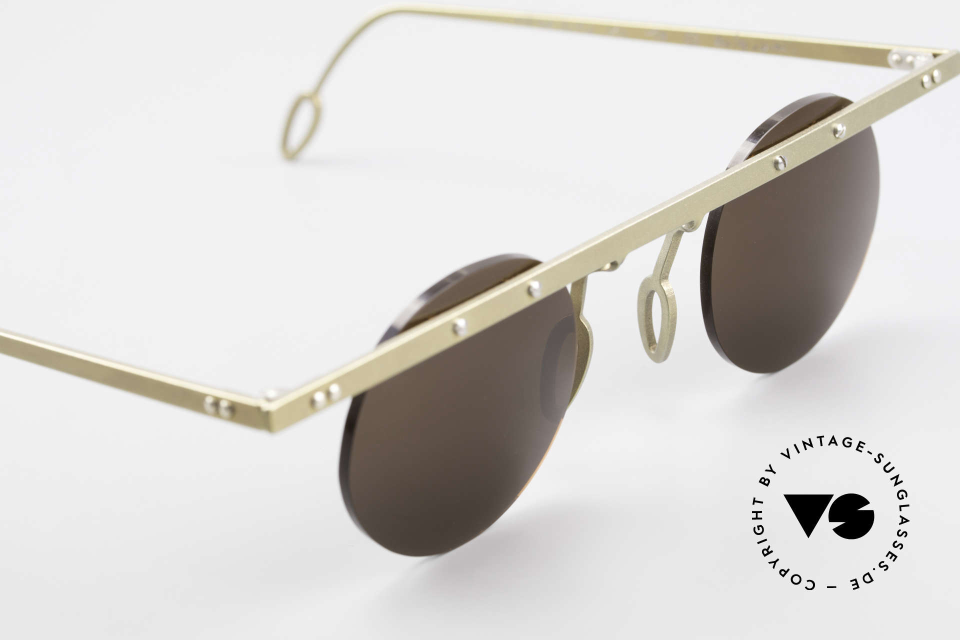 Theo Belgium Tita VII 10 Crazy Titanium Sunglasses 90s, an old, unworn THEO original and NO RETRO EYEWEAR, Made for Men and Women