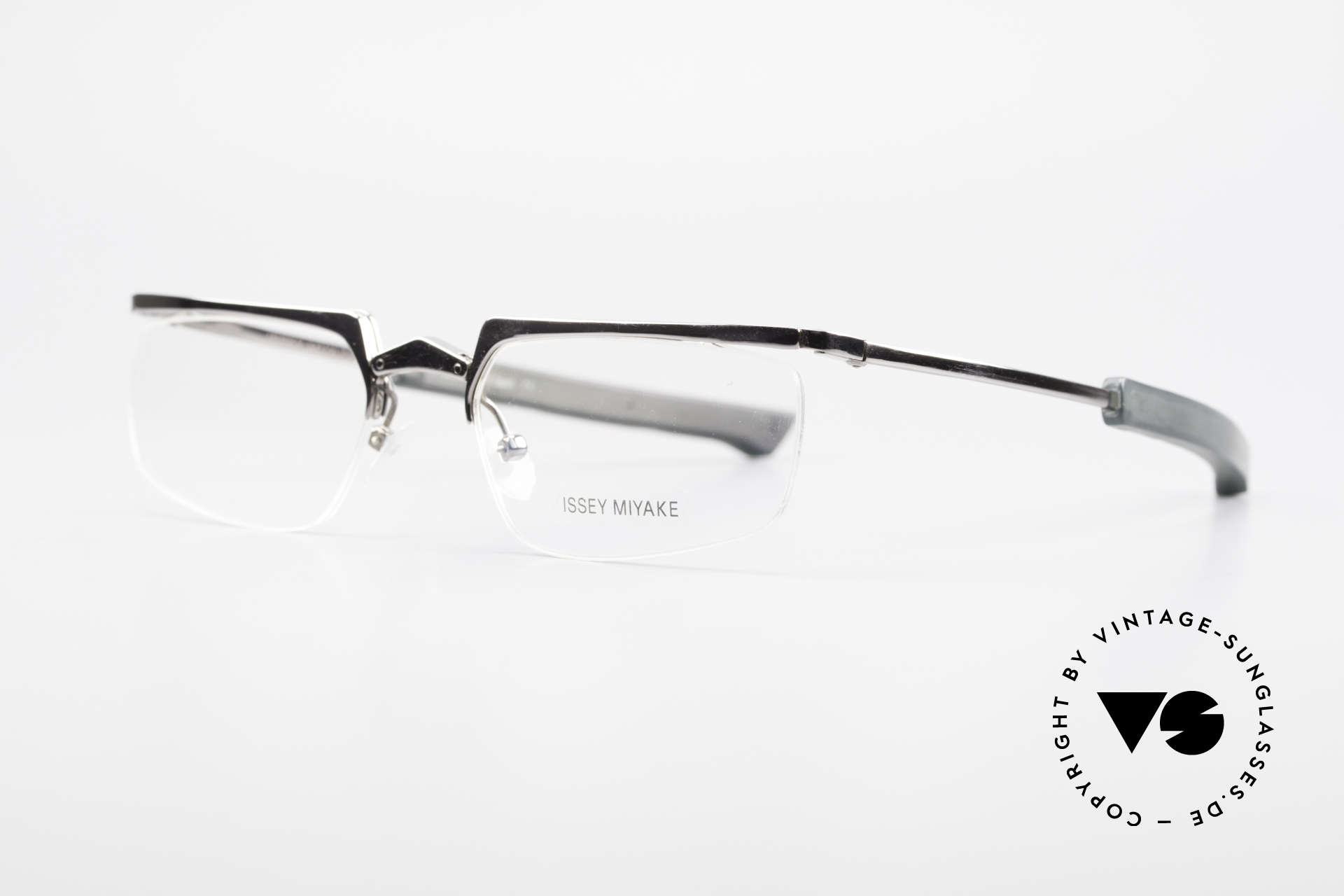 Issey Miyake 01 Alain Mikli Folding Designer Eyeglasses, Issey Miyake in cooperation with Alain Mikli, Made for Men and Women