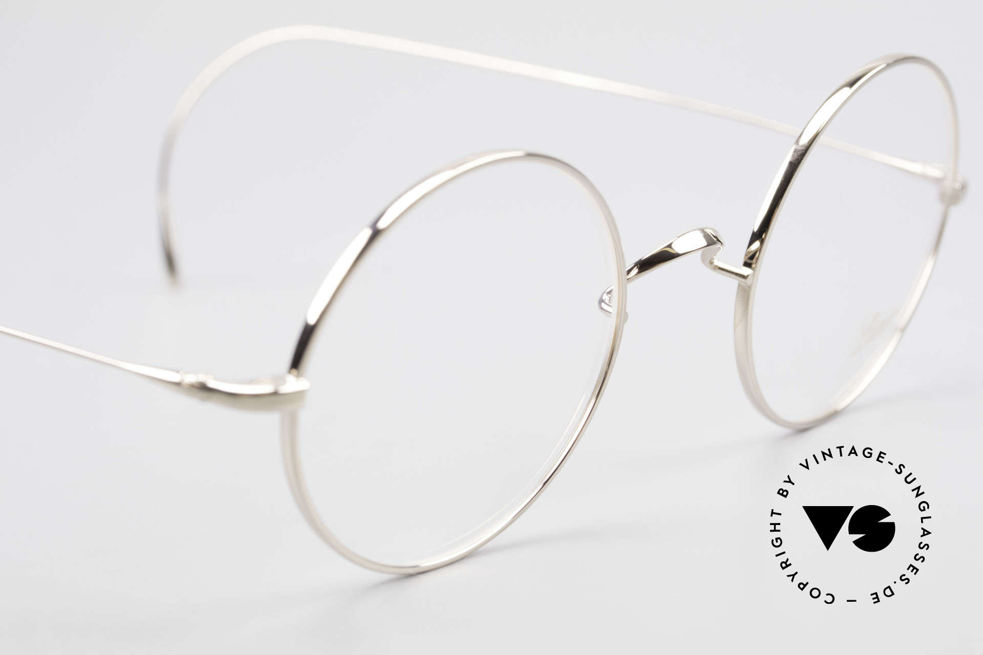 Lunor Advantage 420 GP Round Titan Frame Gold Plated, from the latest collection, but in a well-known quality, Made for Men and Women