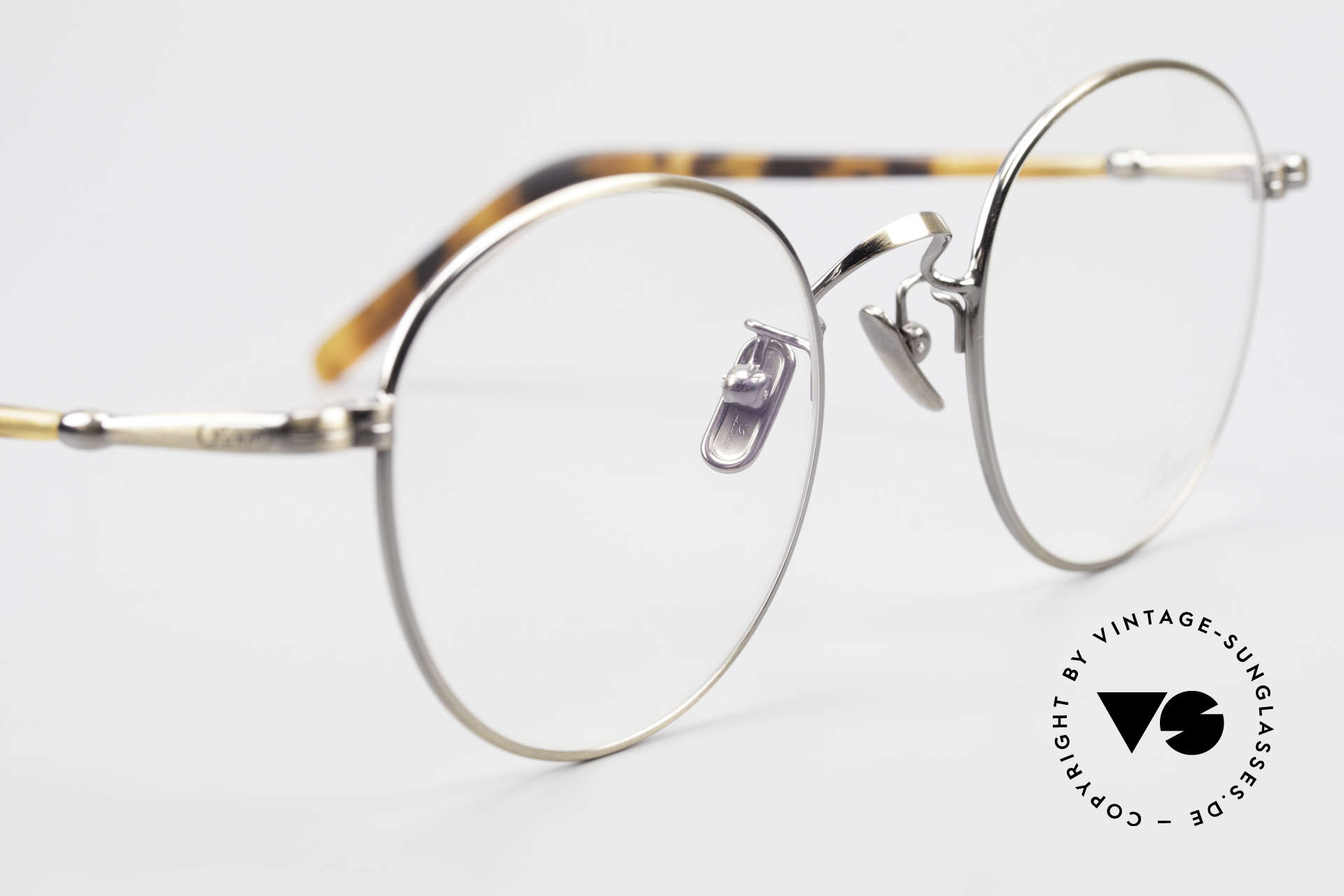 Lunor VA 111 Classy Men's Panto Eyeglasses, thus, we decided to take it into our vintage collection, Made for Men