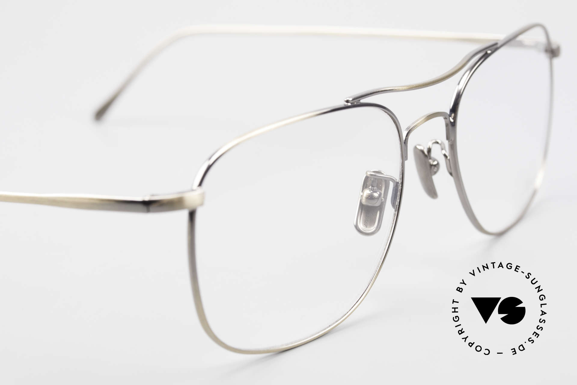 Lunor Aviator II P4 AG Classy Men's Eyeglass-Frame, thus, we decided to take it into our vintage collection, Made for Men