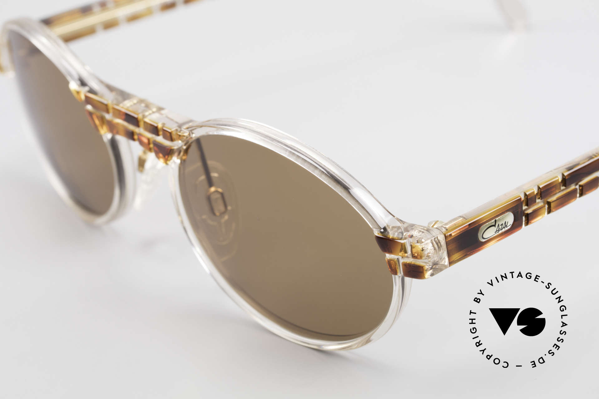 Cazal 510 Limited Oval Vintage Cazal, fantastic combination of shape, colors and materials, Made for Men and Women
