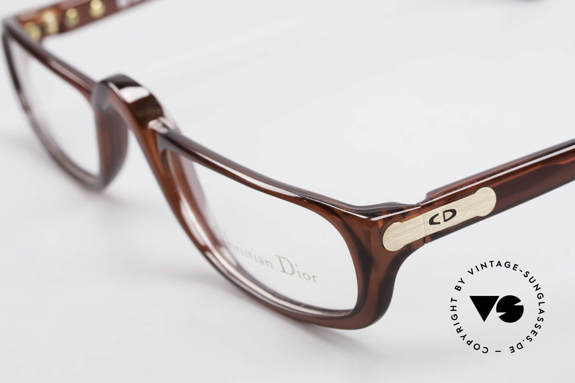 Christian Dior 2075 Reading Glasses Large Optyl, the incredible OPTYL material does not seem to age, Made for Men and Women