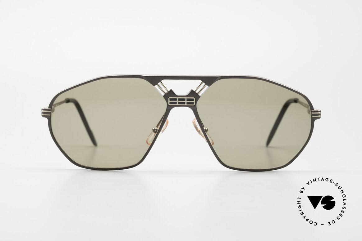 Ferrari F22/S Men's Rare Vintage XL Shades, striking frame construction (very interesting bridge), Made for Men