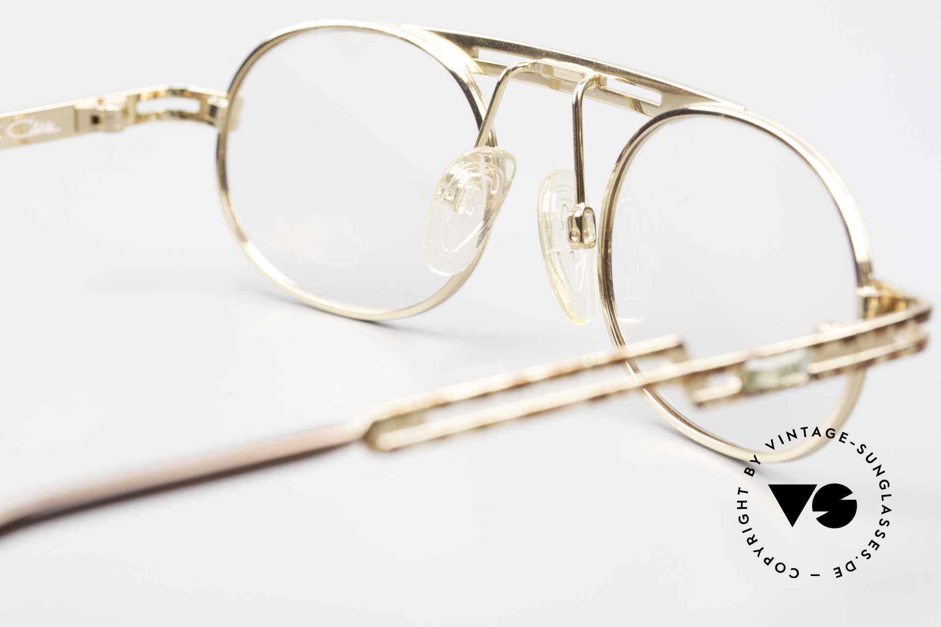 Cazal 762 Oval Vintage Eyeglasses 90's, frame is made for lenses of any kind (optical / sun), Made for Men and Women