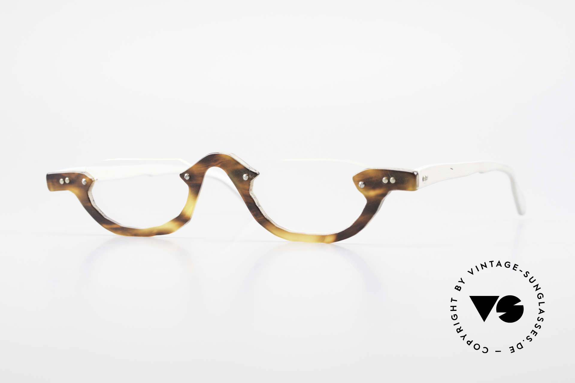 Theo Belgium Eye-Witness AE17 Crazy Reading Glasses Titanium, Theo Belgium: the most self-willed brand in the world, Made for Men and Women