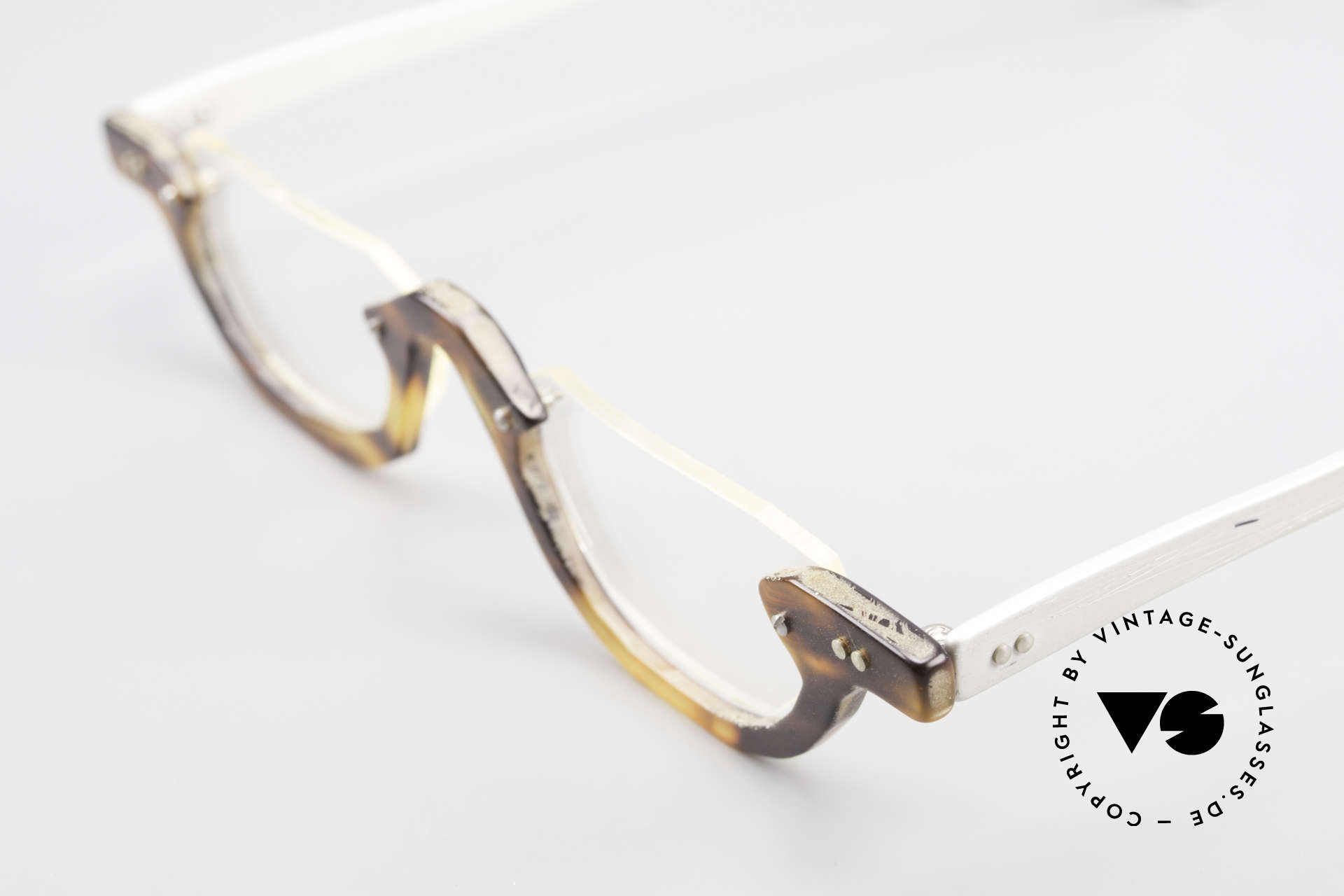 Theo Belgium Eye-Witness AE17 Crazy Reading Glasses Titanium, the fancy 'Eye-Witness' series was launched in May '95, Made for Men and Women
