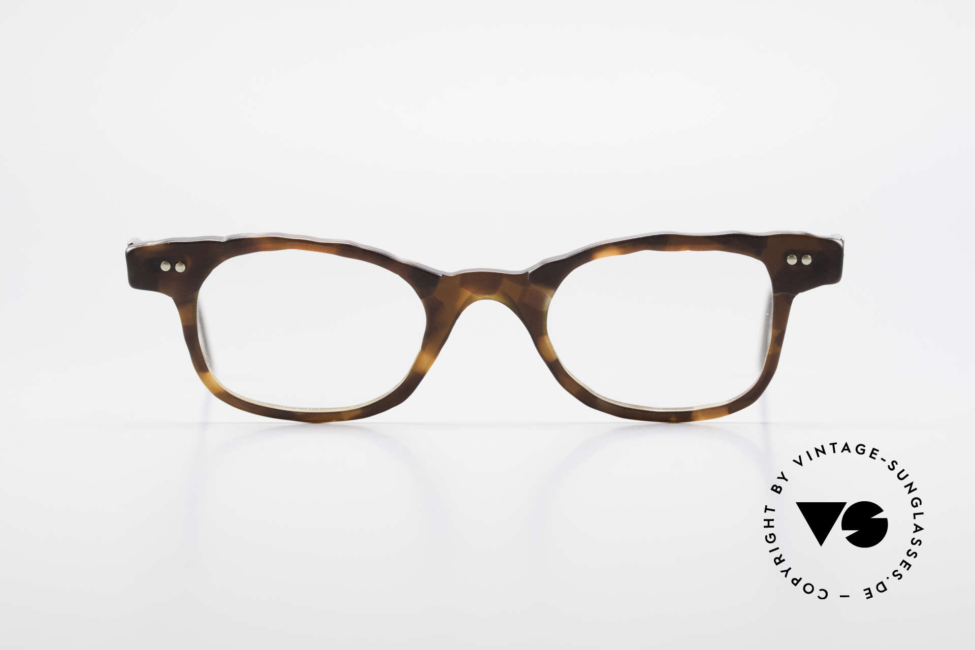 Theo Belgium Eye-Witness Avant-Garde Titanium Glasses, founded in 1989 as 'opposite pole' to the 'mainstream', Made for Men and Women