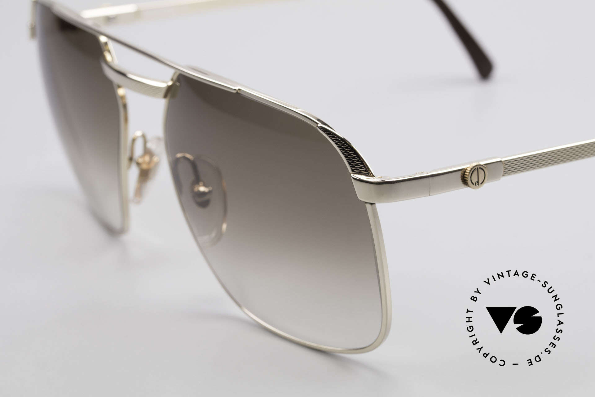 Dunhill 6011 Gold Plated 80's Sunglasses, 'barley': hundreds of minute facets to give a soft sheen, Made for Men