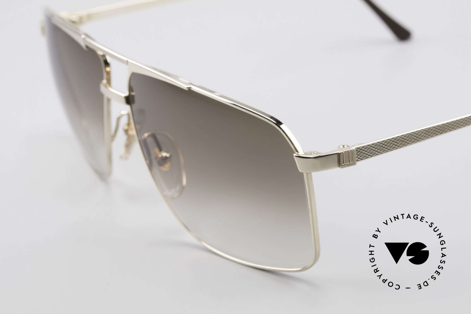 Dunhill 6126 Gold Plated 90's Sunglasses, 'barley': hundreds of minute facets to give a soft sheen, Made for Men