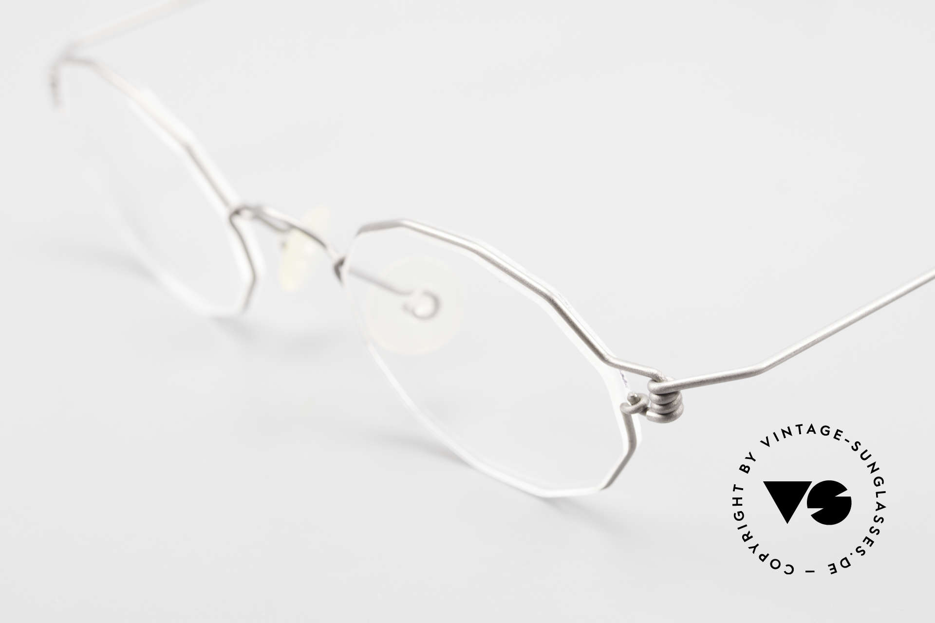 Lindberg Zeta Air Titan Rim Titanium Frame Small Unisex, extremely strong, resilient and flexible (and 3g only!), Made for Men and Women