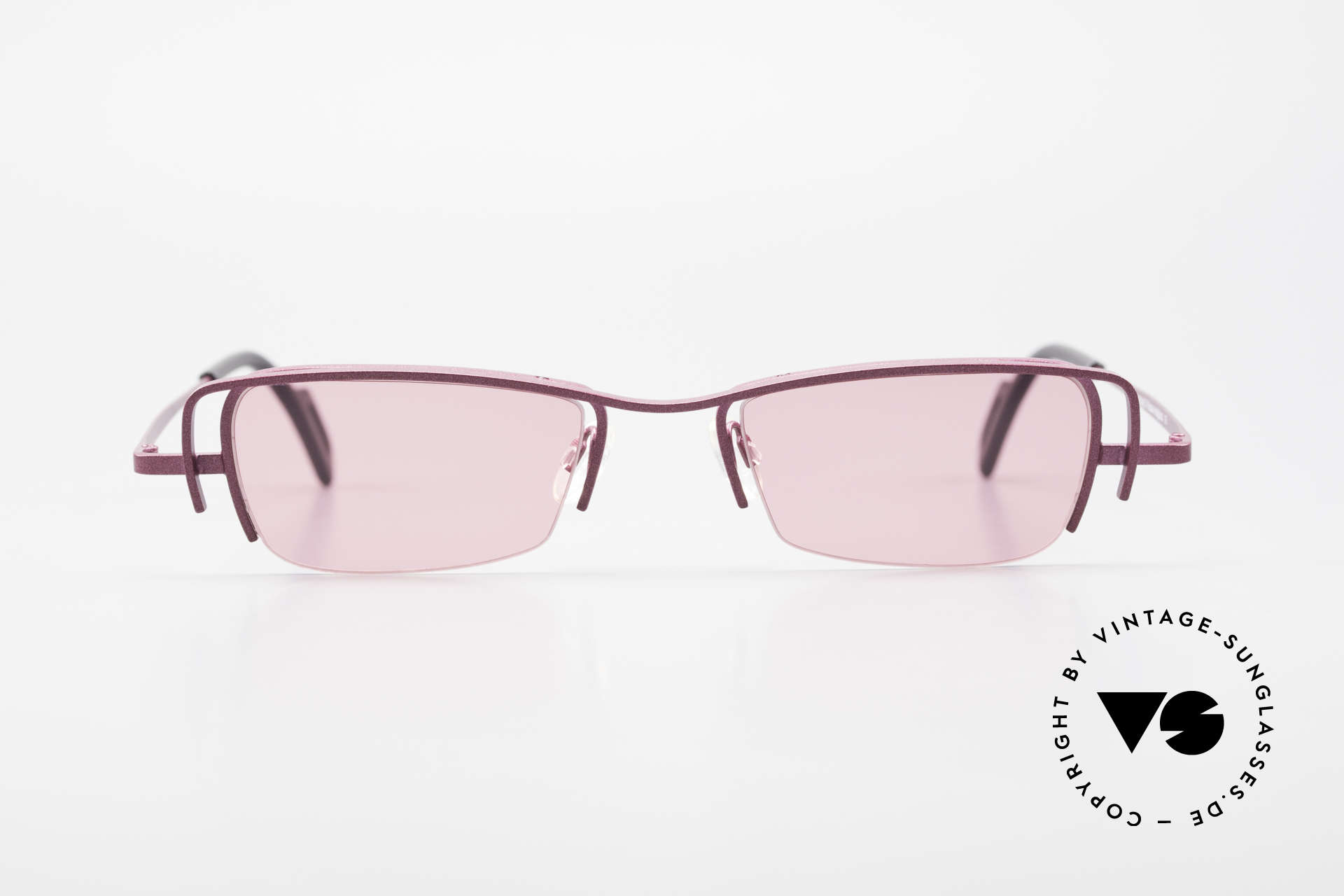 Theo Belgium Sping Square Ladies Designer Shades, founded in 1989 as 'opposite pole' to the 'mainstream', Made for Women