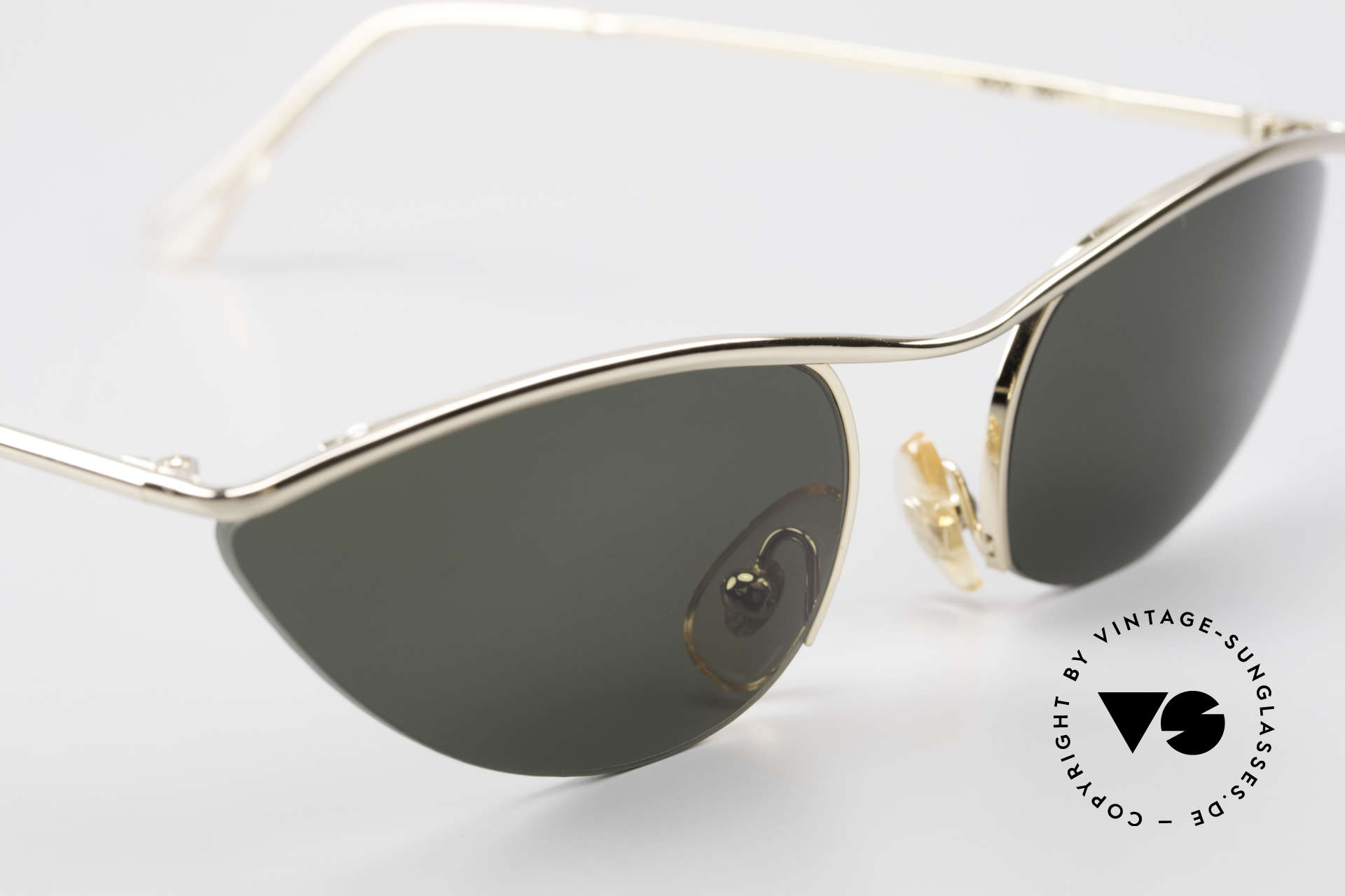 Cutler And Gross 0359 Cat Eye Designer Sunglasses, NO RETRO fashion, but a unique 20 years old Original!, Made for Women