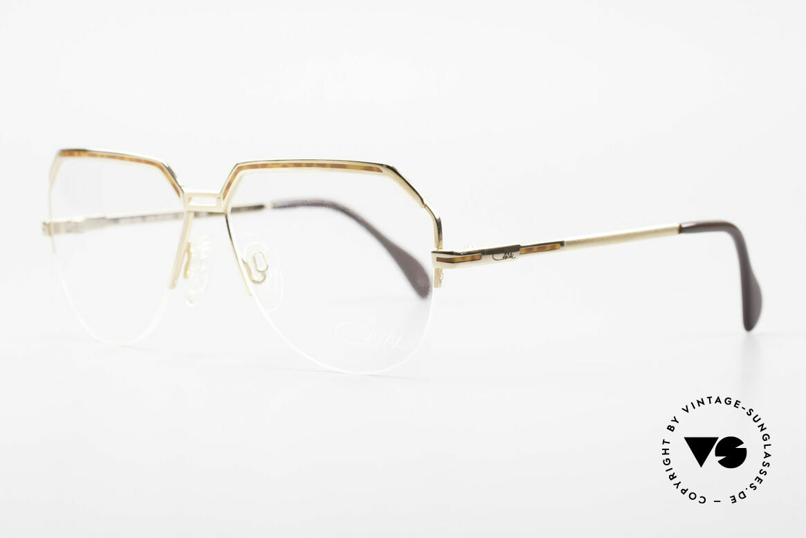 Cazal 732 80's West Germany Eyeglasses, half rimless (Nylor thread), very pleasant to wear, Made for Men