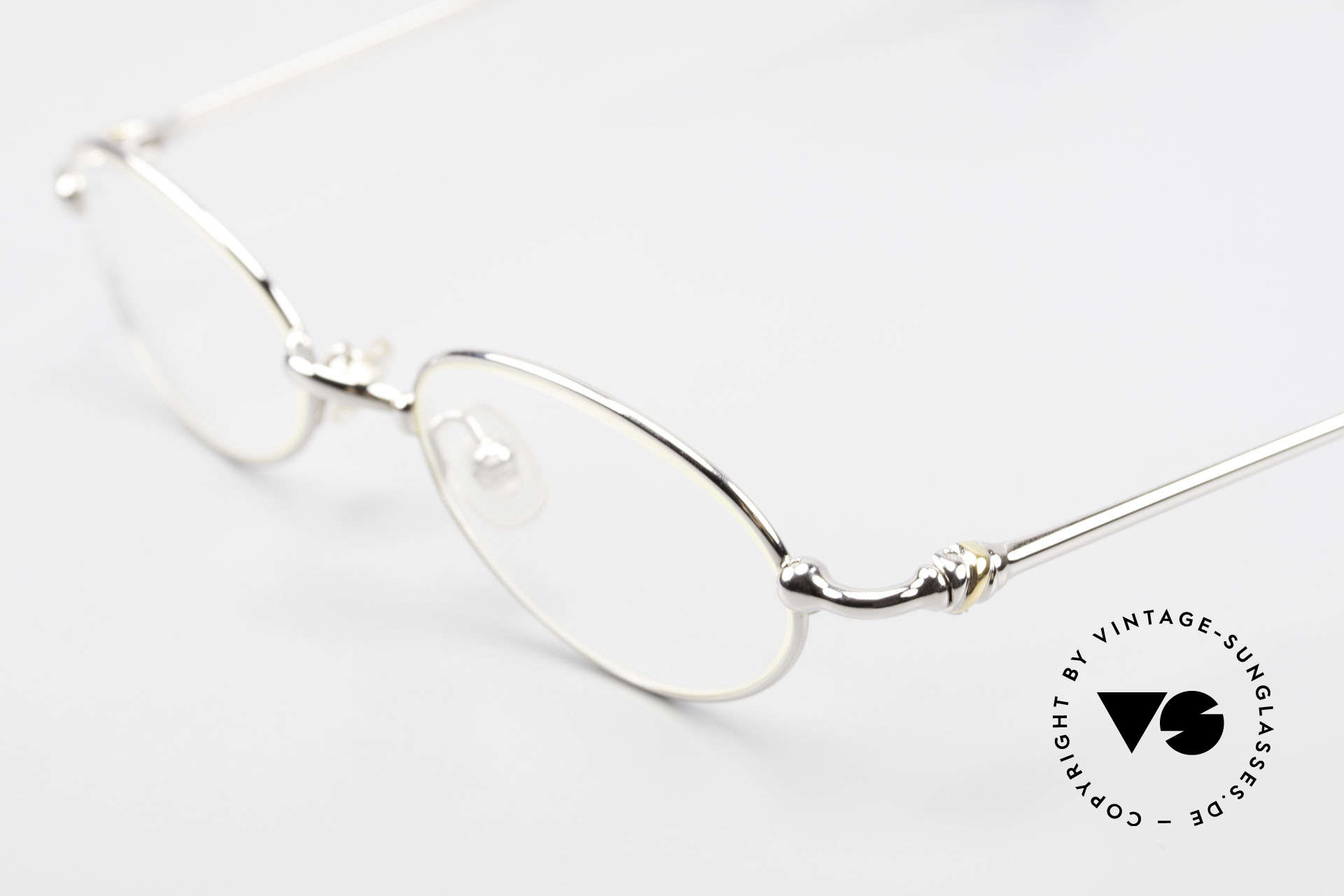 Cartier Mizar Oval Frame Luxury Platinum, unworn luxury frame comes with a CHANEL hard case, Made for Men and Women