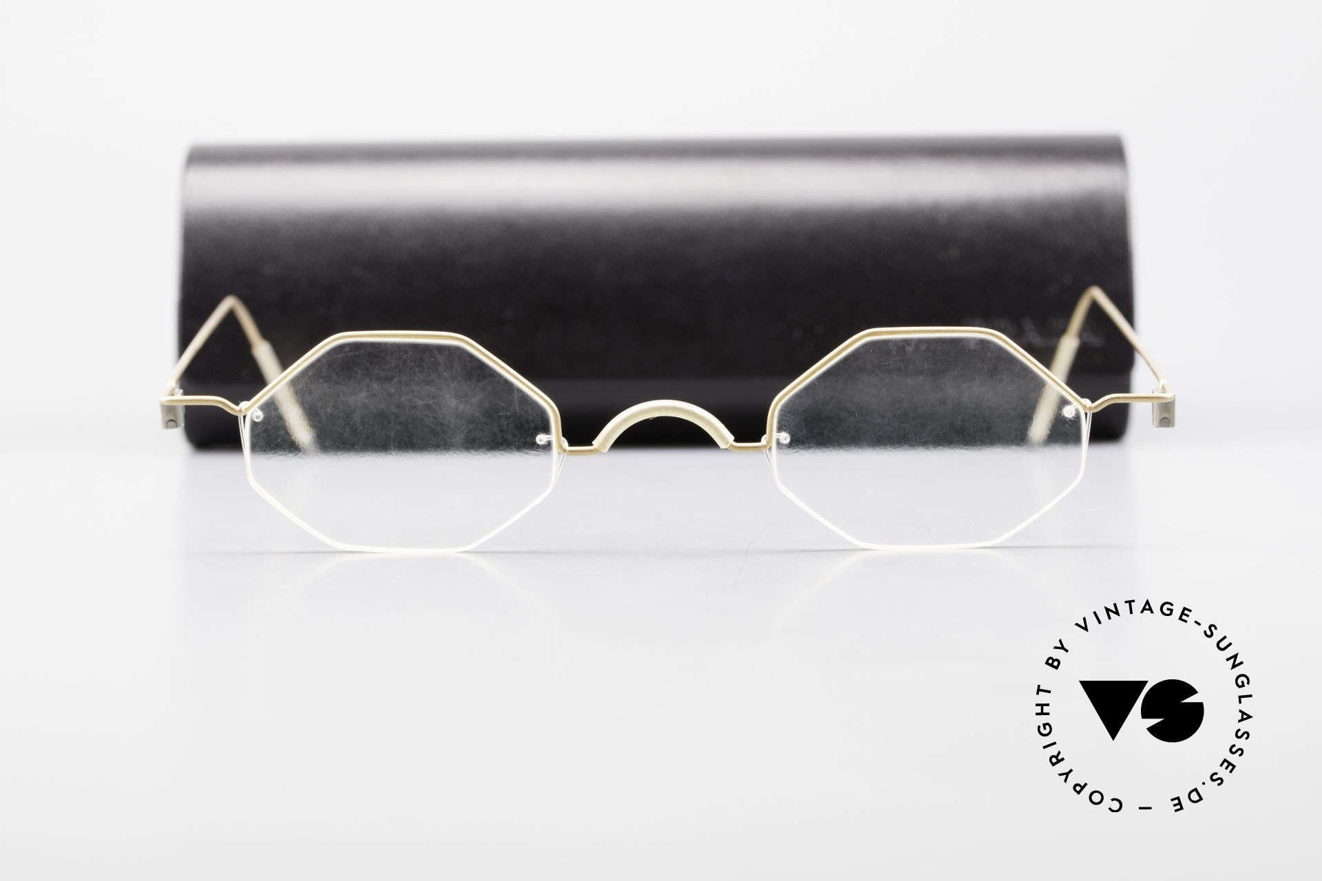 Markus T Octagonal Connoisseur Frame, simple frame design : free from screws, rivets & welds, Made for Men and Women