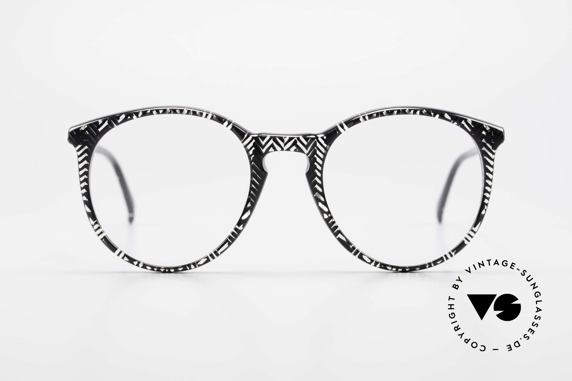 Alain Mikli 901 / 299 Panto Frame Black Crystal, classic 'panto'-design with brilliant frame pattern, Made for Men and Women