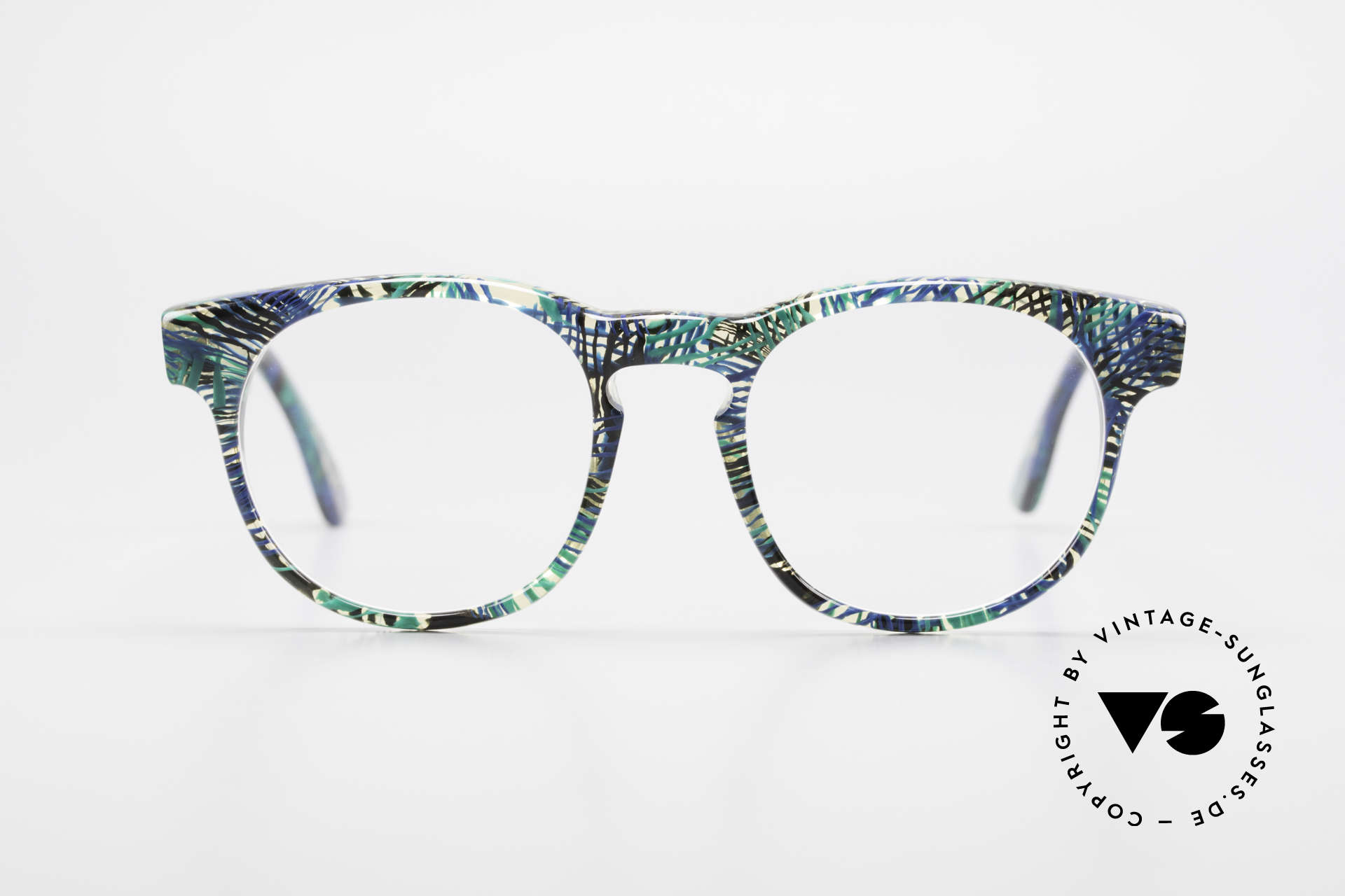 Alain Mikli 903 / 391 Panto Frame Green Patterned, classic 'panto'-design with an interesting pattern, Made for Men and Women