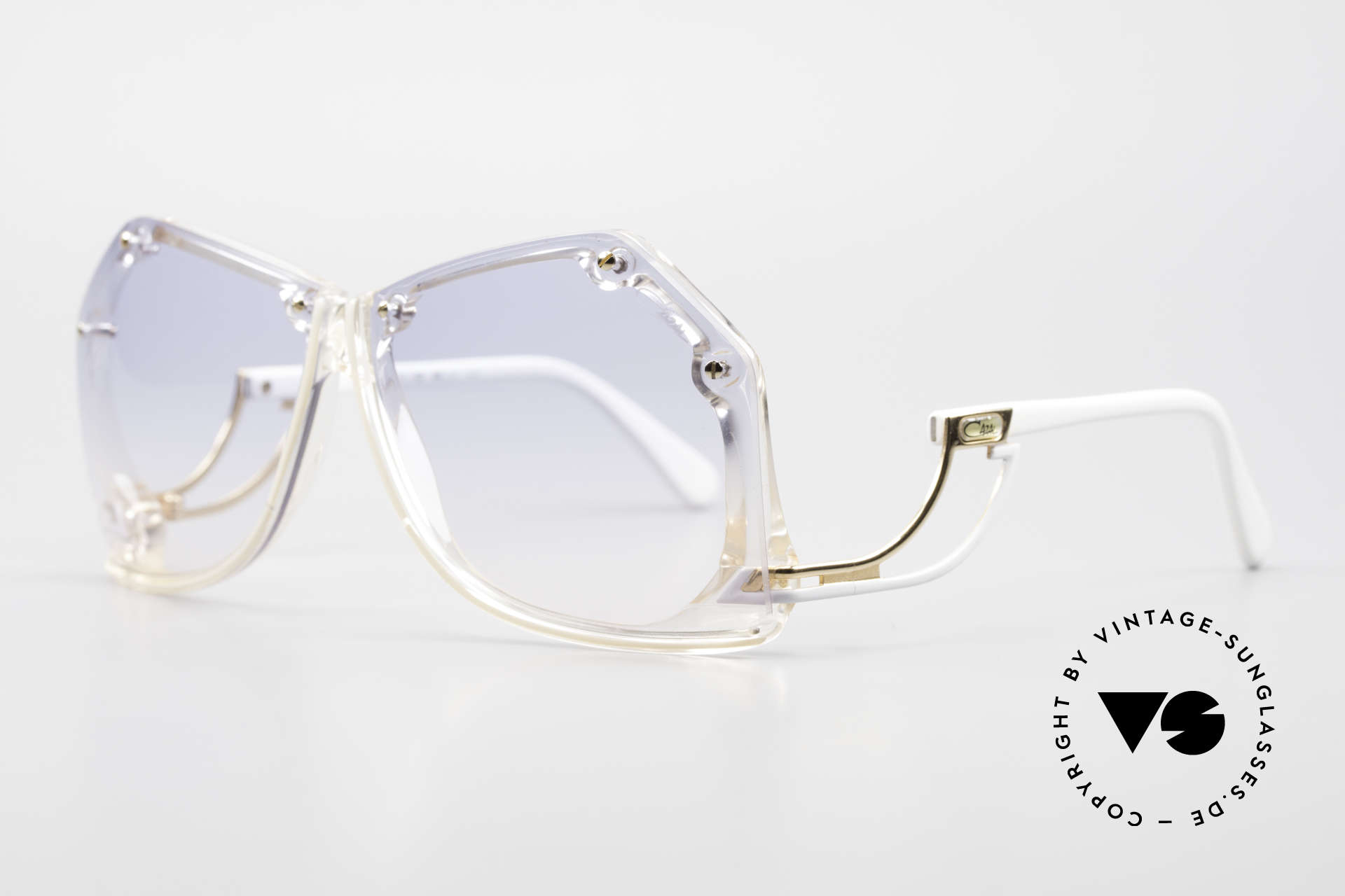 Cazal 860 The Most Beautiful 80's Cazal, terrific design by style guru Mr . CAri ZALoni, Made for Women