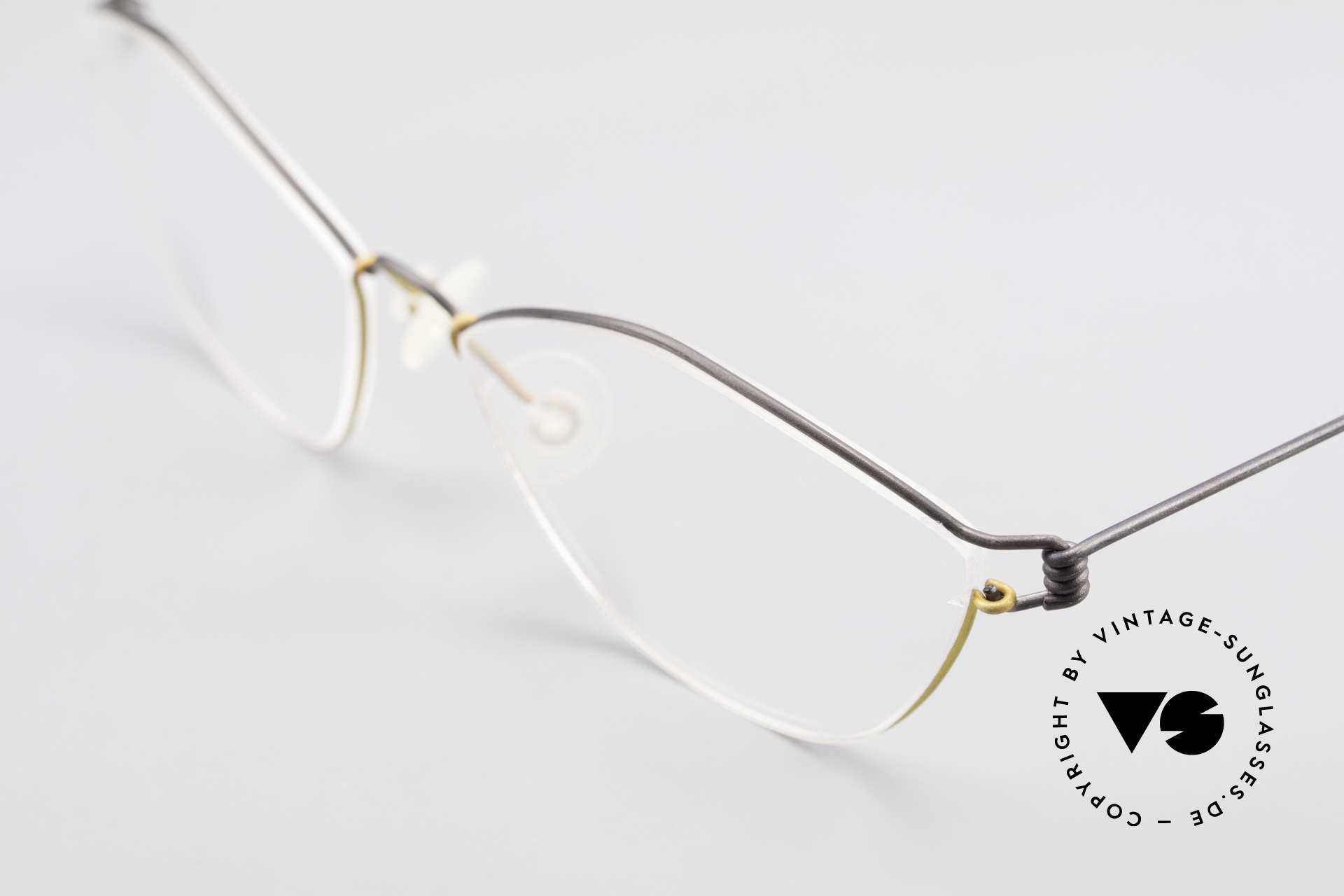 Lindberg Hydra Air Titan Rim Titanium Glasses For Ladies, extremely strong, resilient and flexible (and 3g only!), Made for Women