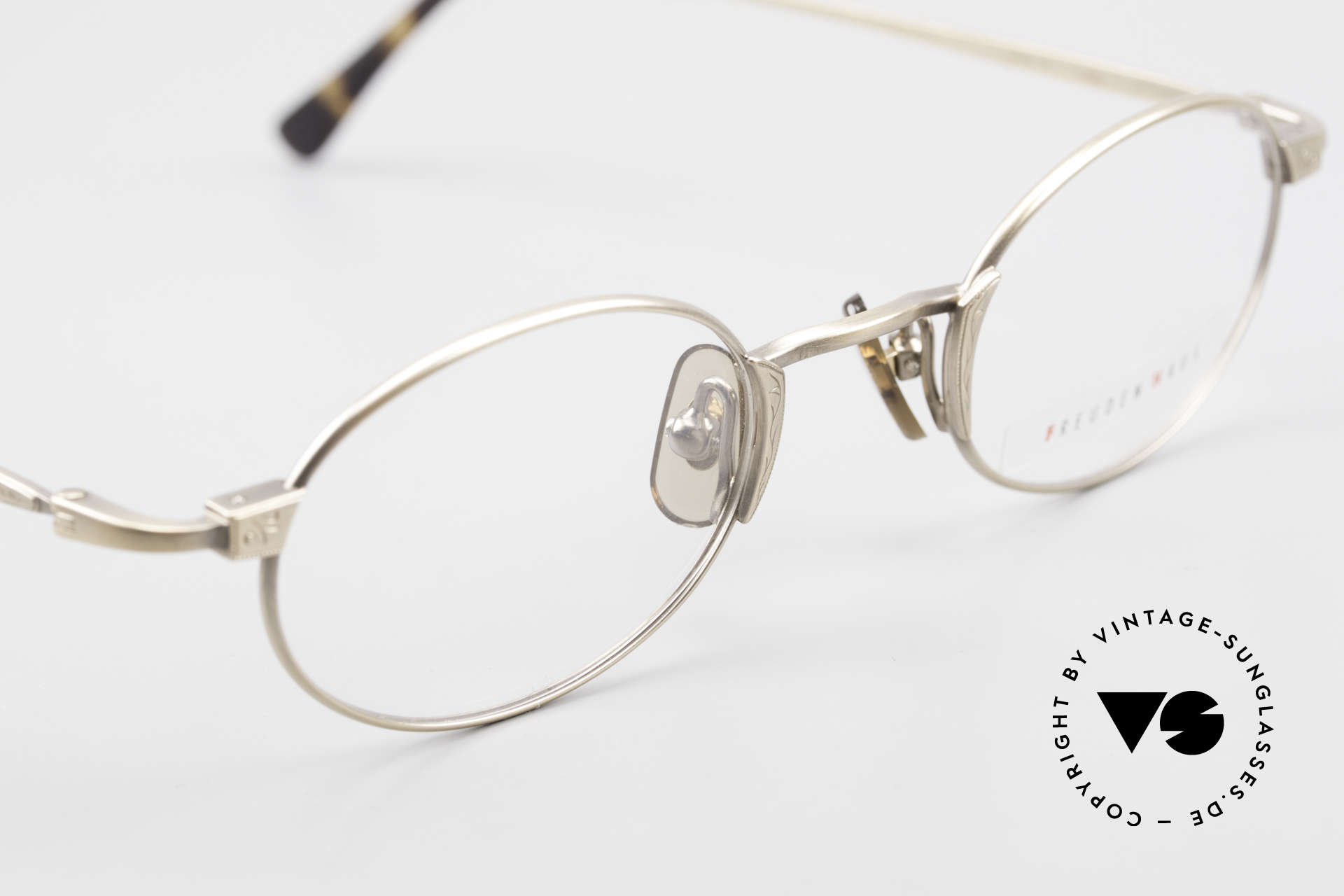Freudenhaus Zaki Oval Titan Vintage Glasses, unworn (like all our rare vintage designer eyeglasses), Made for Men and Women