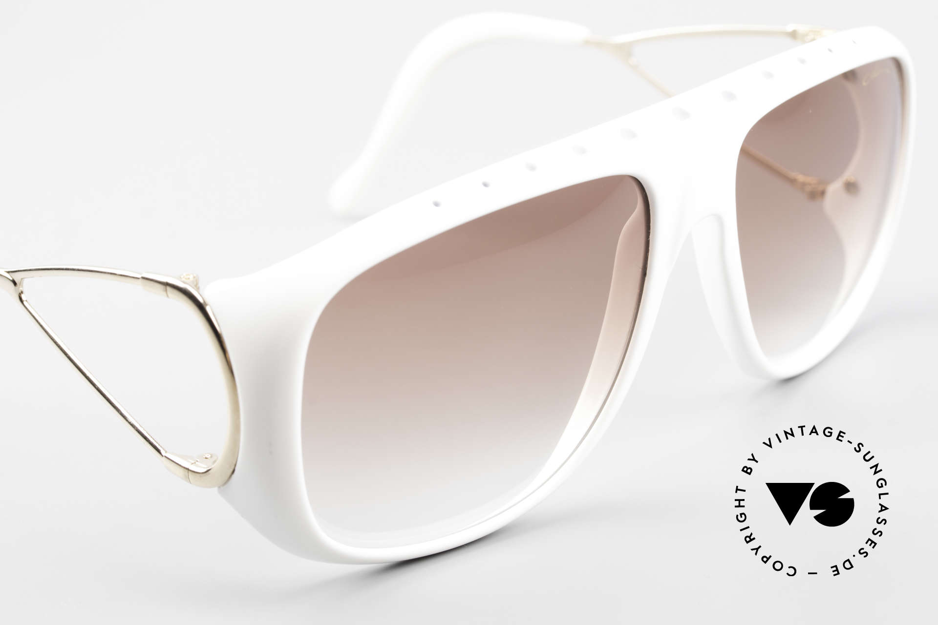 Colani 10-621 80's Shades European Edition, it's the European version without extra nose pads, Made for Men