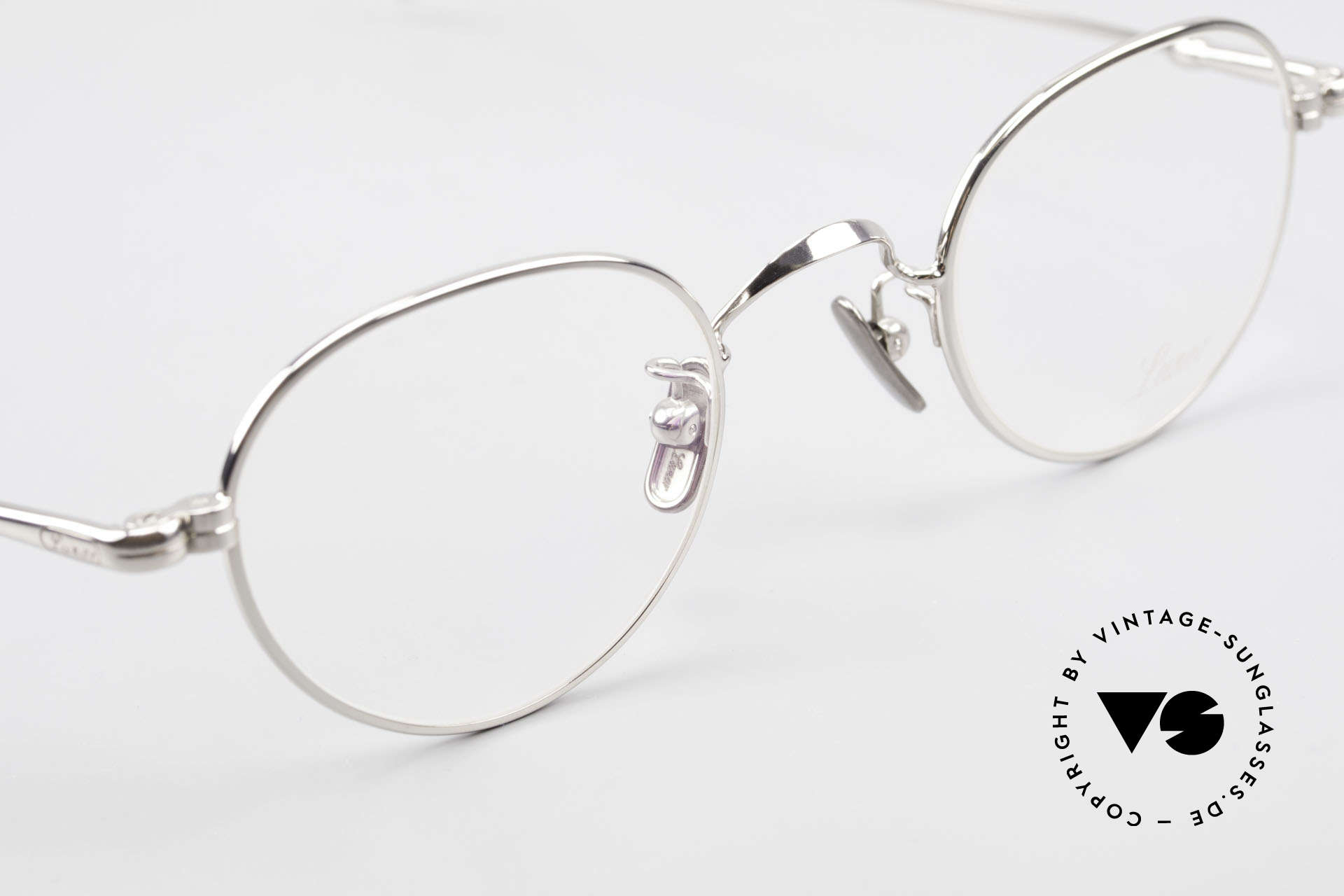 Lunor V 107 Titanium Panto Eyeglasses, thus, we decided to take it into our vintage collection, Made for Men