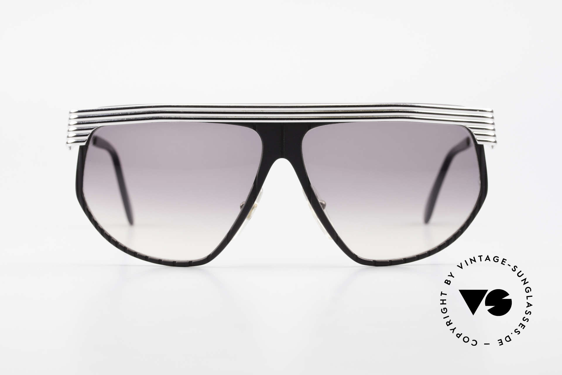Alpina G86 No Retro Shades True 1980's, conspicuous frame design with ornamenting details, Made for Men and Women