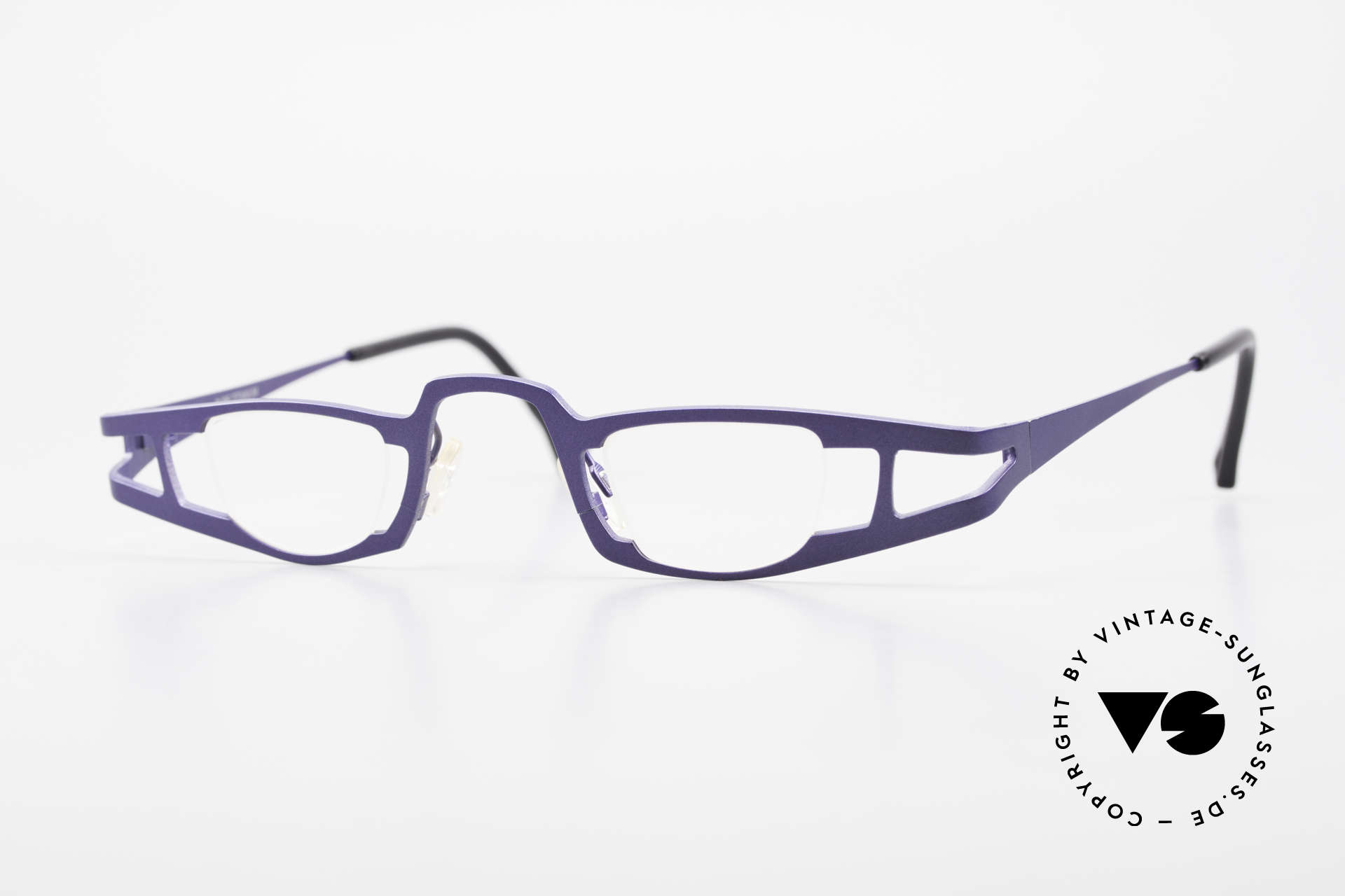 Theo Belgium Eye-Witness KO Pure Titanium Reading Specs, Theo Belgium: the most self-willed brand in the world, Made for Women